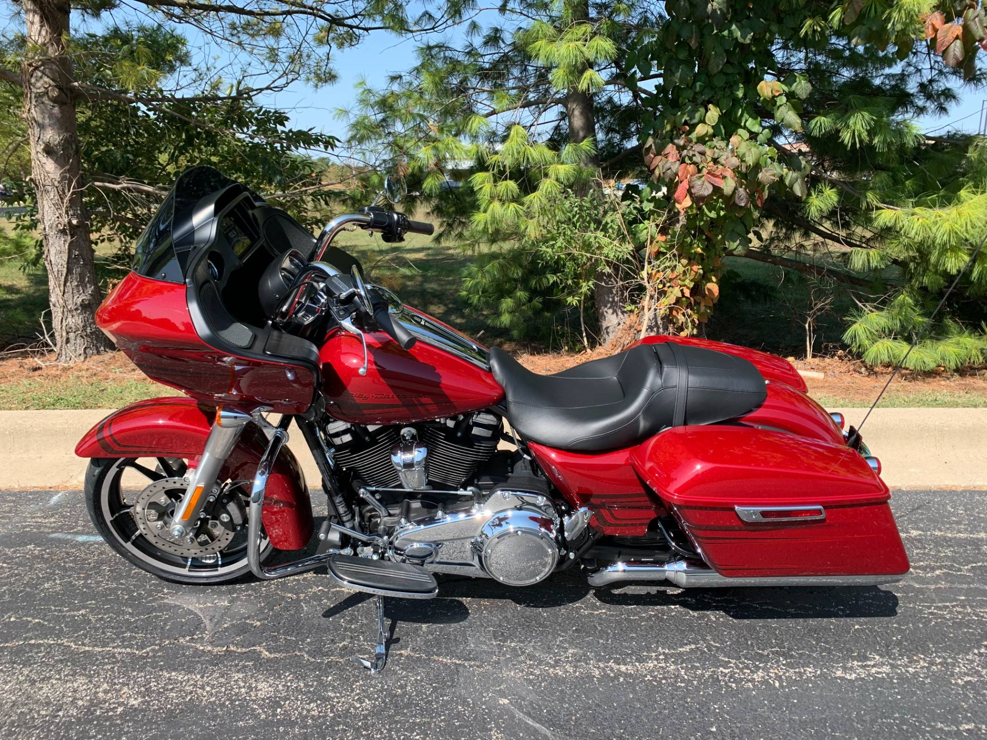 2020 Harley-Davidson Road Glide in Forsyth, Illinois - Photo 4