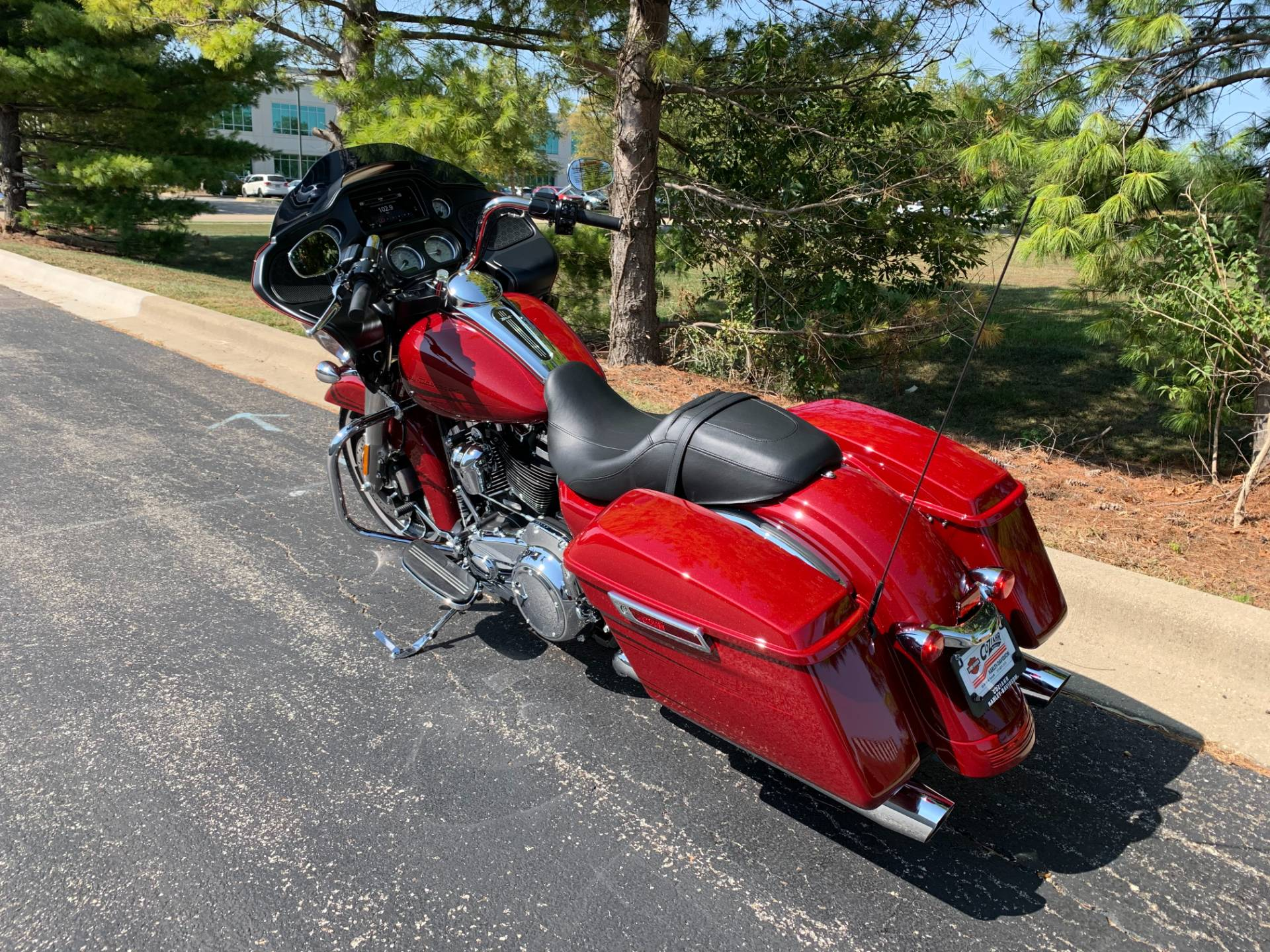 2020 Harley-Davidson Road Glide in Forsyth, Illinois - Photo 6