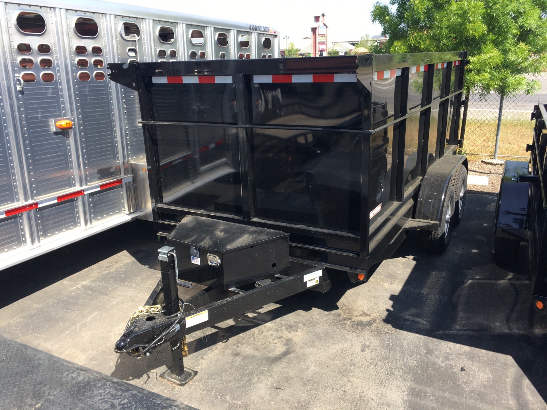 2018 FIVE STAR TRAILER MANUFACTURING, INC 12' DUMP TRAILER WITH 4' SIDES in Paso Robles, California