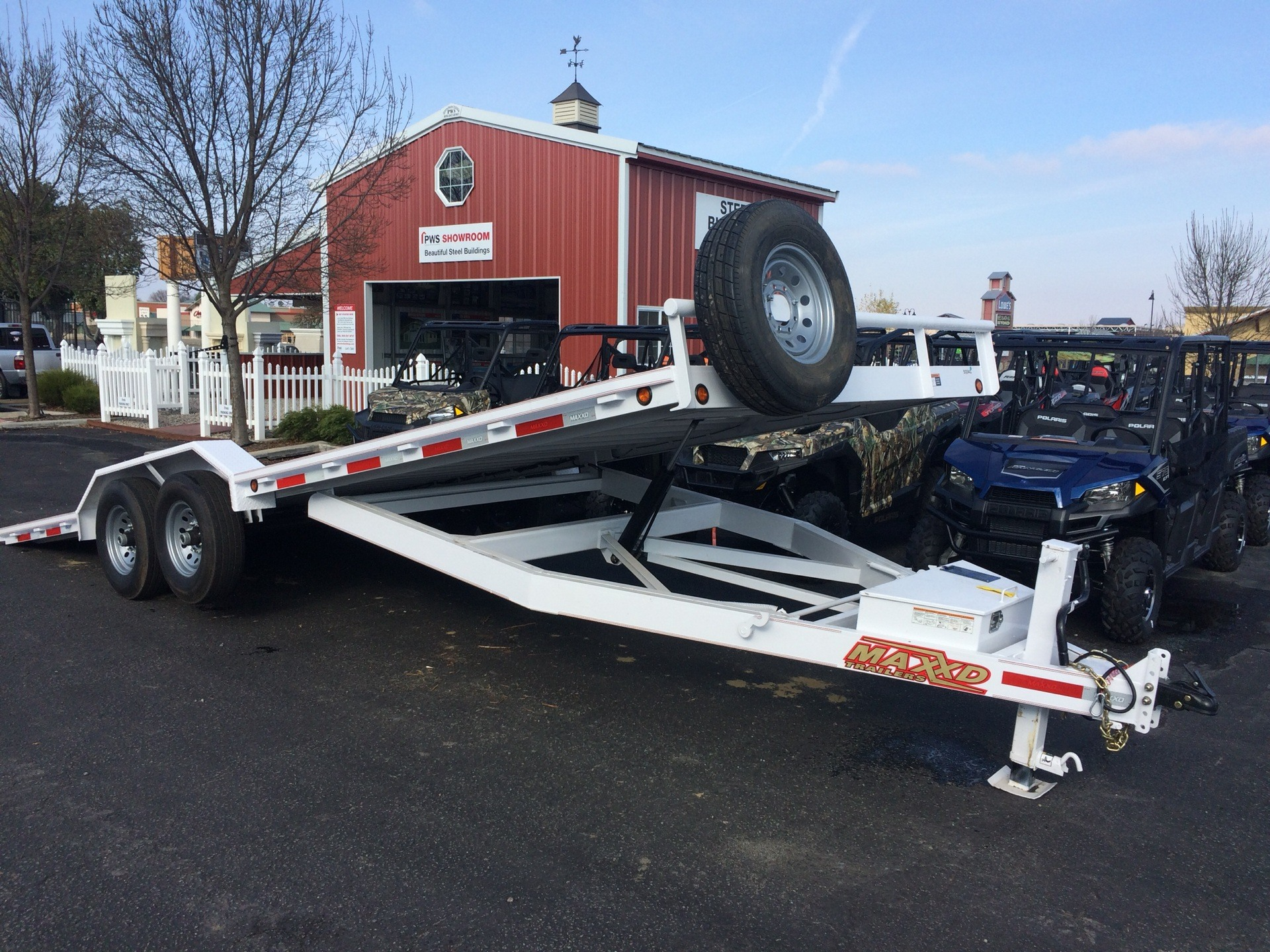"2018 MAXXD TRAILERS 24' X 102"" 6"" CHANNEL POWER TILT in Paso Robles, California"