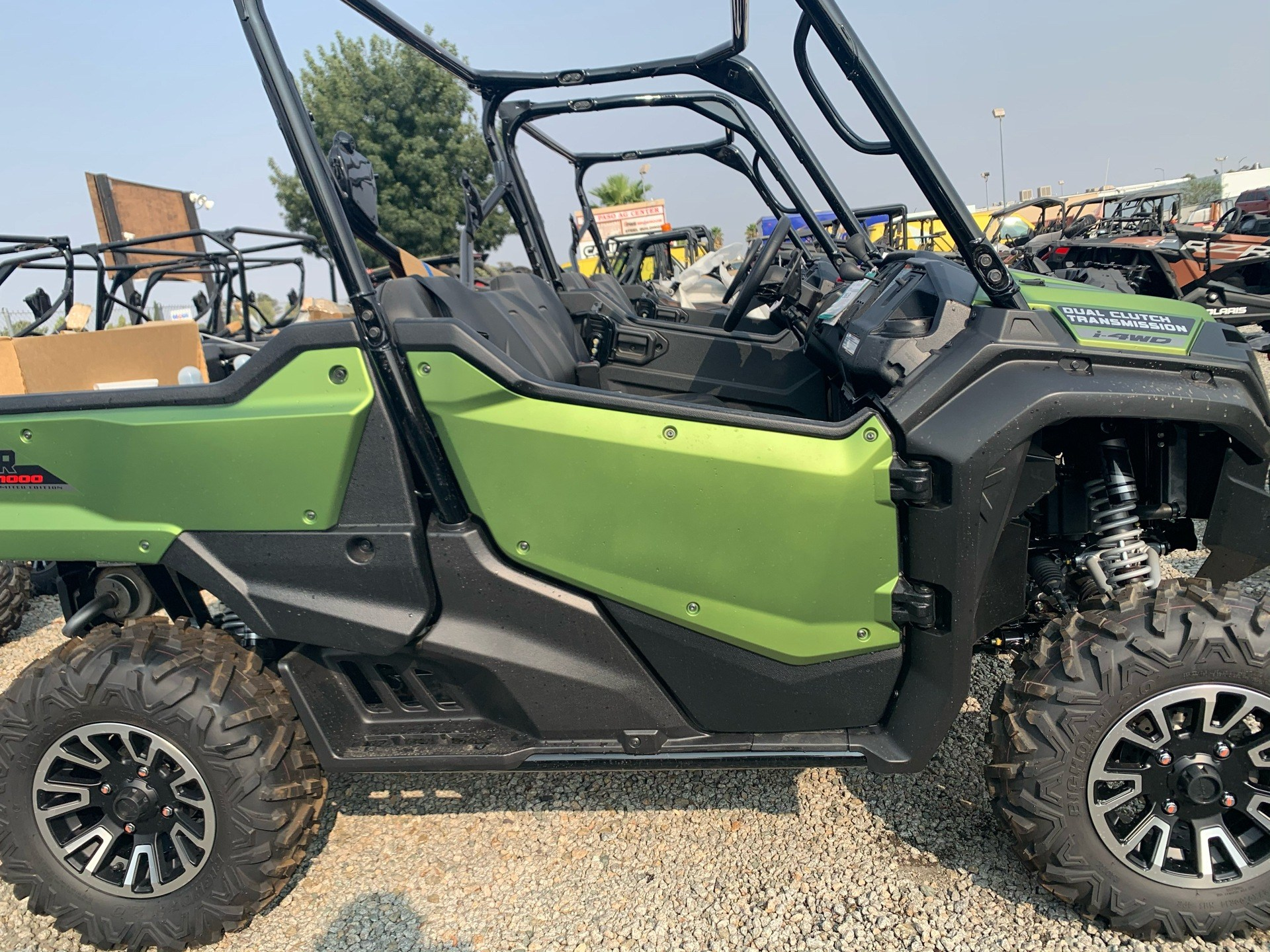 2021 Honda Pioneer 1000 Limited Edition in Paso Robles, California - Photo 3