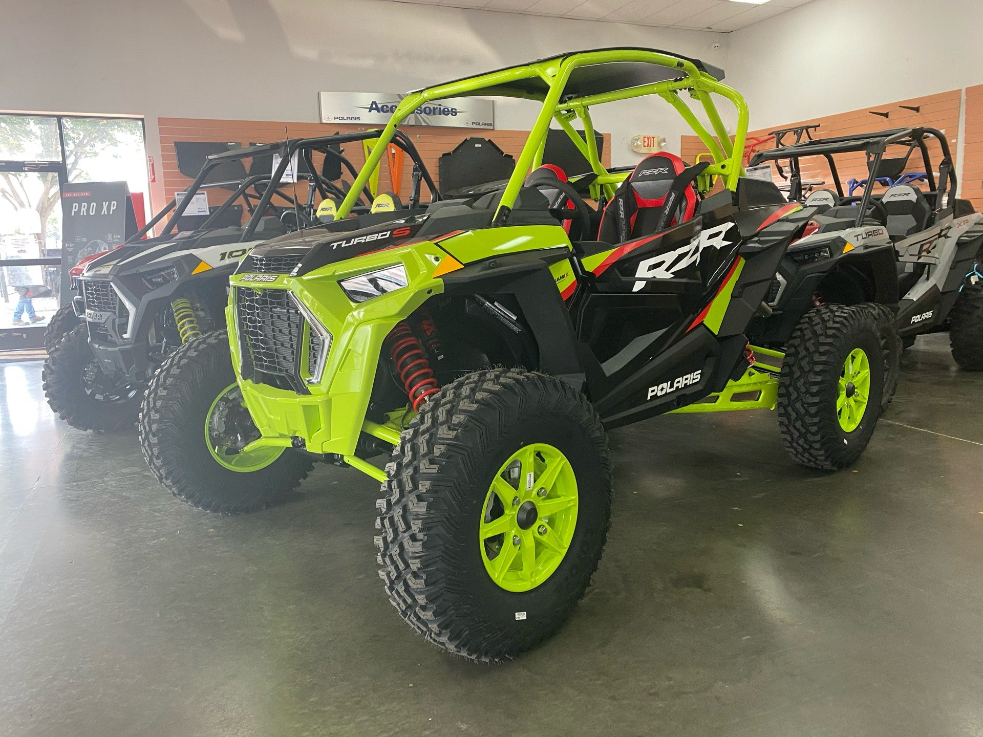 2021 Polaris RZR Turbo S Lifted Lime LE in Paso Robles, California - Photo 2