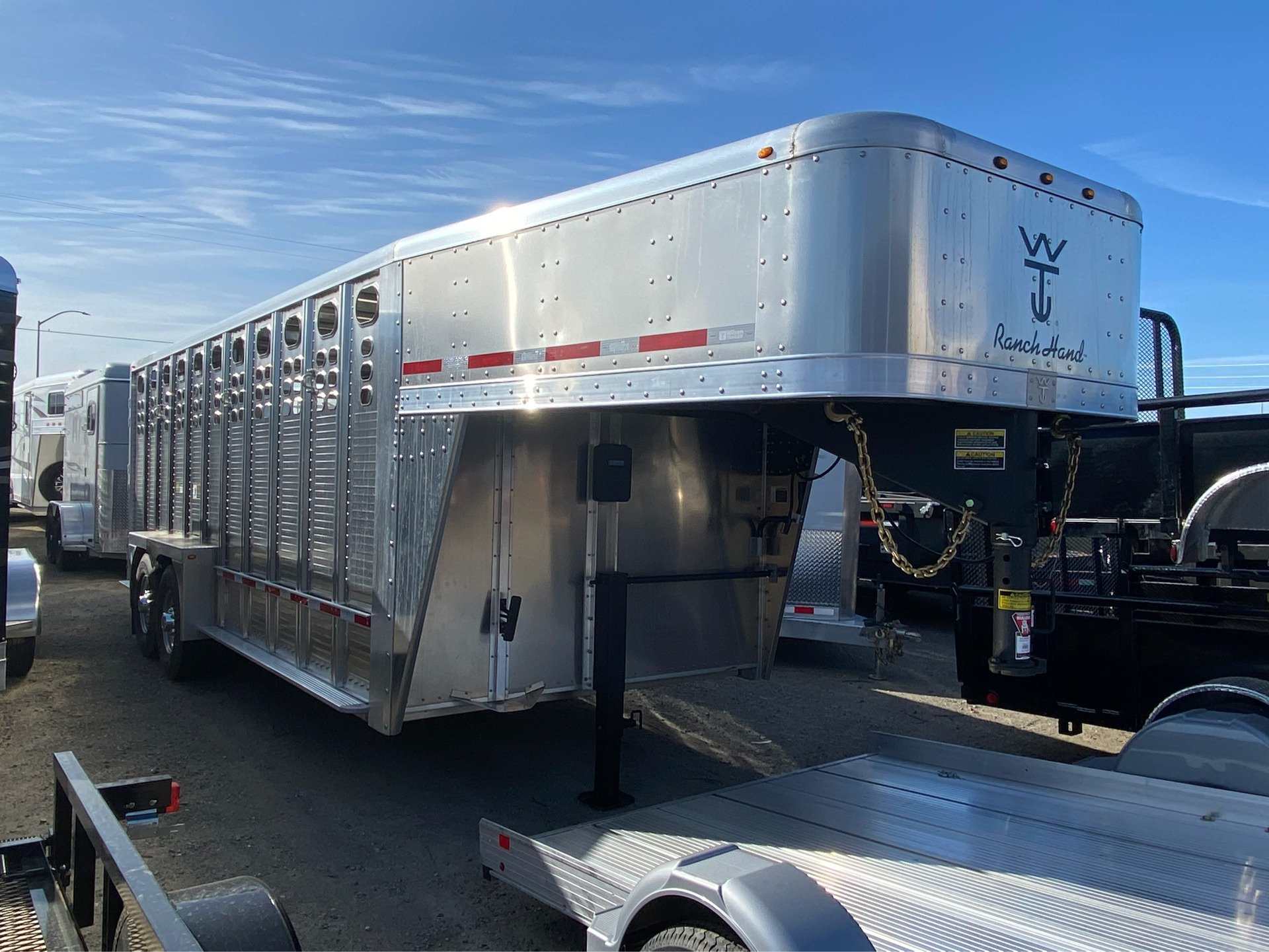 2021 Wilson Trailer - Manufacturers 20' RANCH HAND in Elk Grove, California - Photo 1
