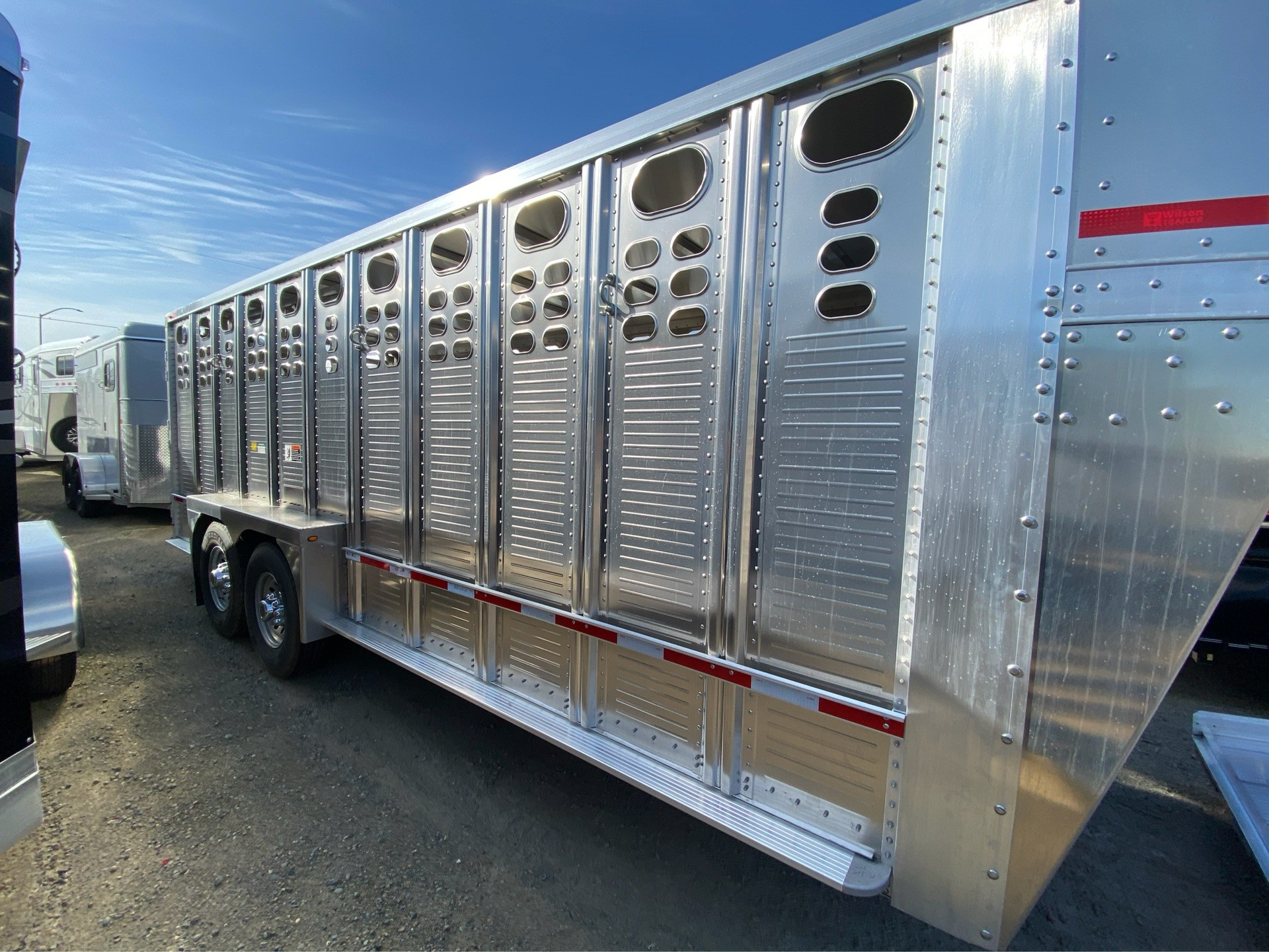2021 Wilson Trailer - Manufacturers 20' RANCH HAND in Elk Grove, California - Photo 4