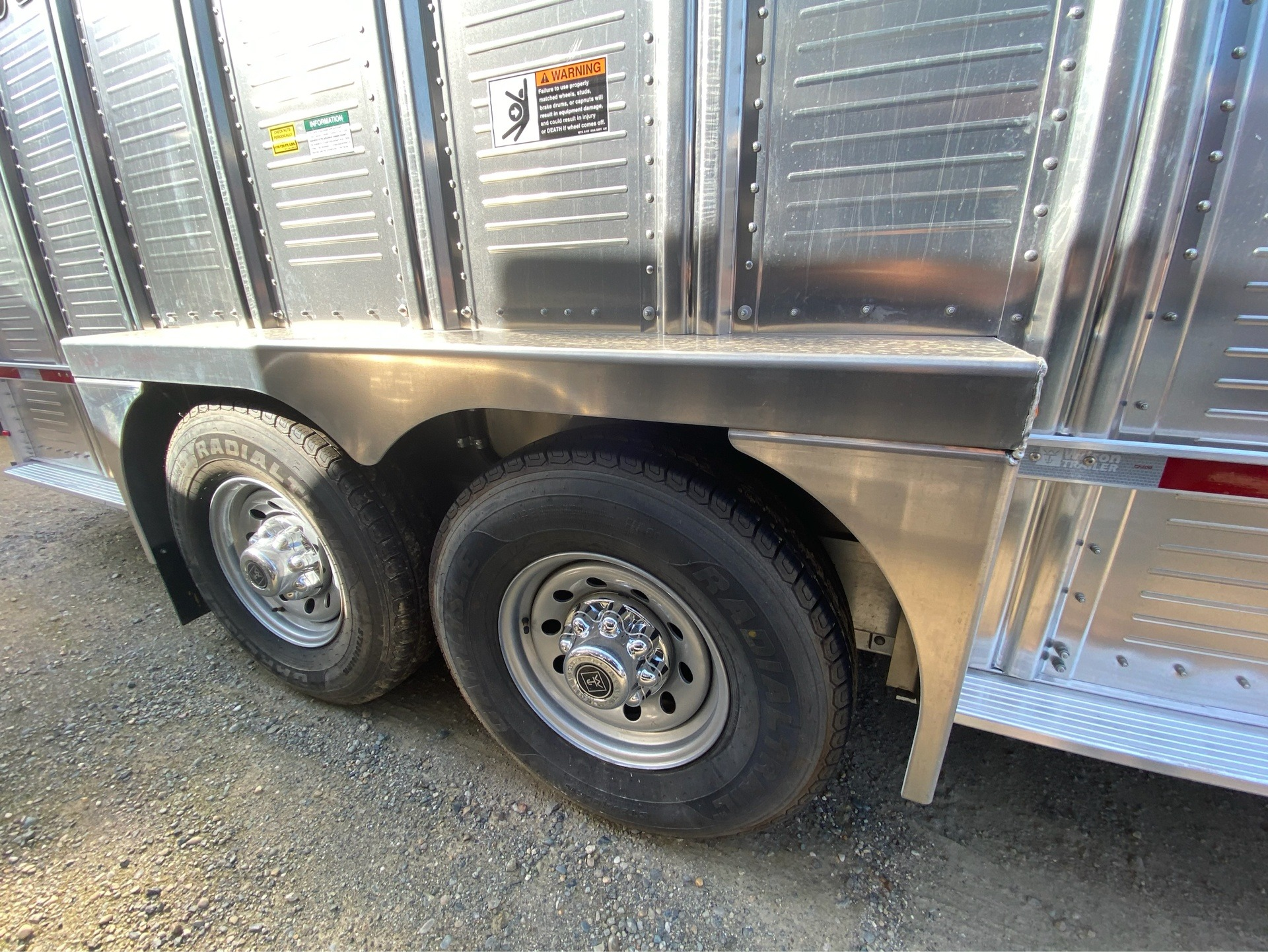 2021 Wilson Trailer - Manufacturers 20' RANCH HAND in Elk Grove, California - Photo 6