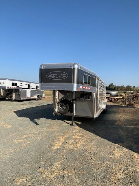 2020 4-STAR TRAILERS 24' DELUXE STOCK in Elk Grove, California