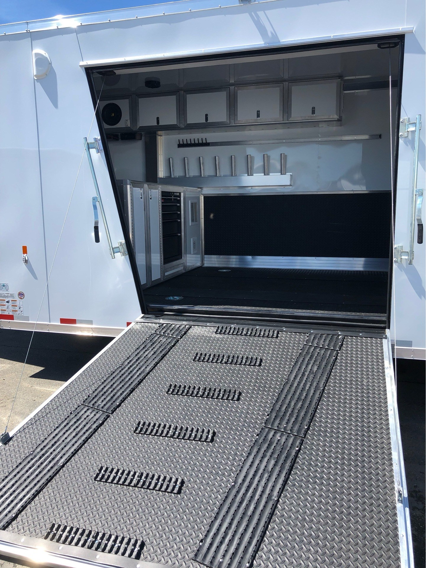"2019 Charmac Trailers 30' X 102"" TRI SPORT  in Elk Grove, California - Photo 8"