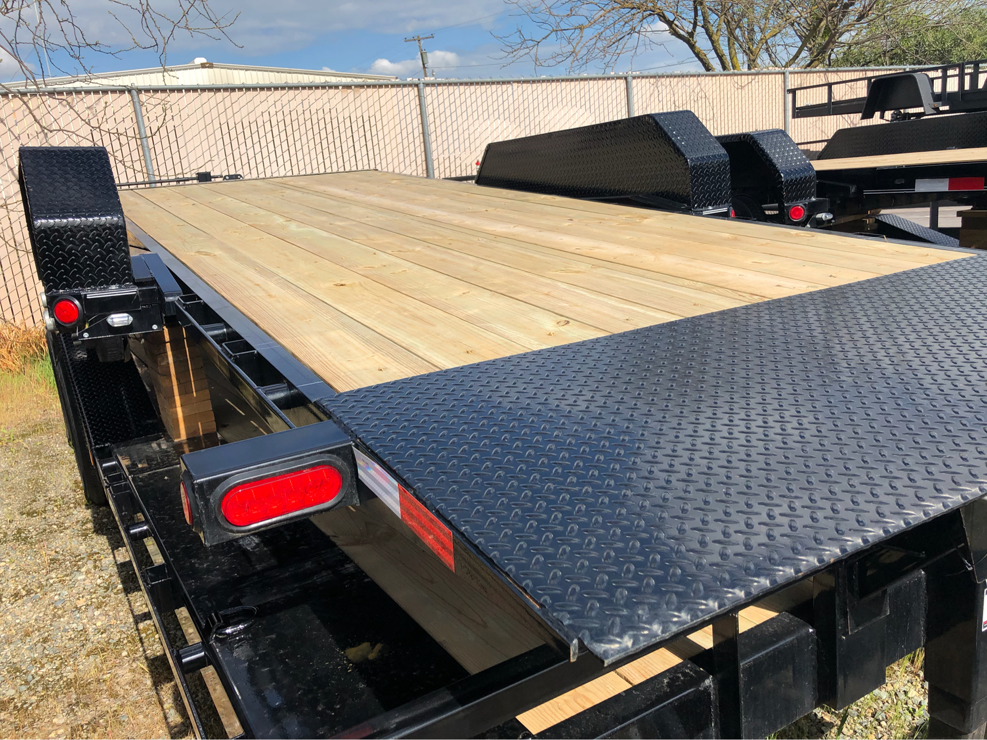 "2019 PJ Trailers 22' 6"" CHANNEL HD EQUIPMENT TILT  in Elk Grove, California - Photo 7"