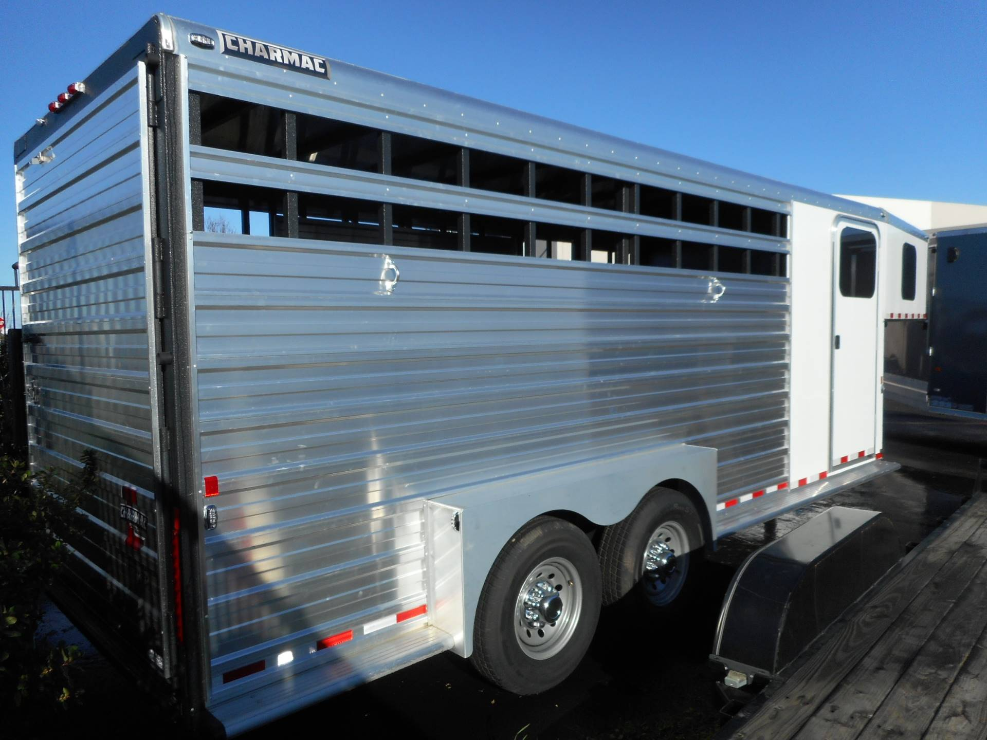 2016 Charmac Trailers RANCHER GN 7x20 in Elk Grove, California