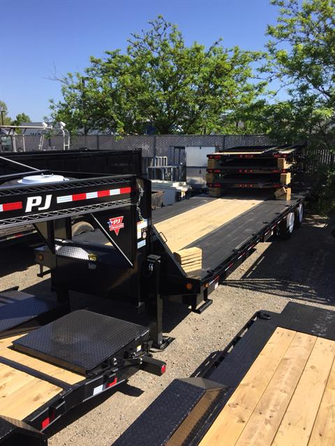 2018 PJ Trailers 30' LOW PRO FLATDECK WITH DUALS in Elk Grove, California