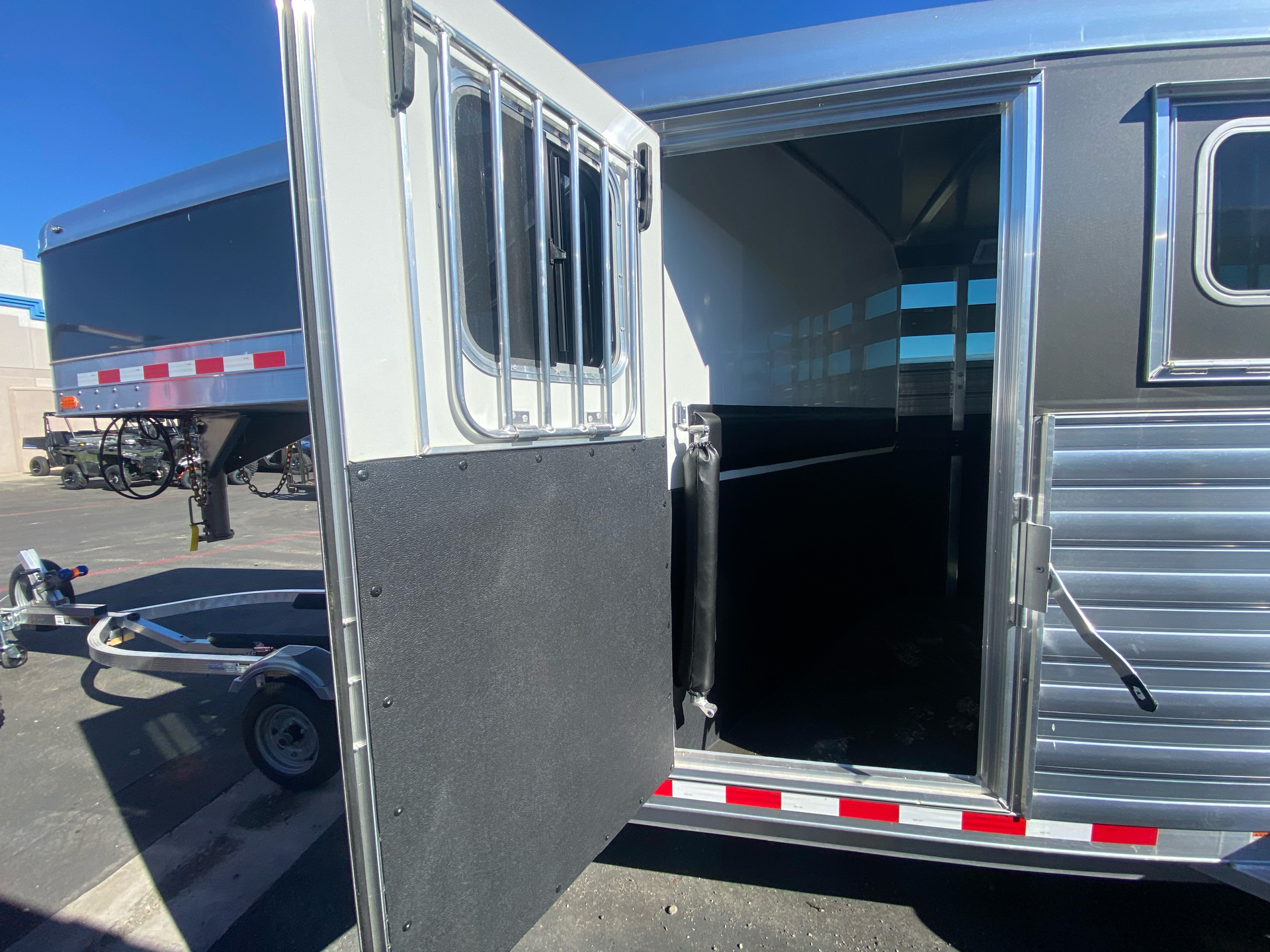 2022 4-STAR TRAILERS 3H GN RUNABOUT STOCK COMBO in Elk Grove, California - Photo 20