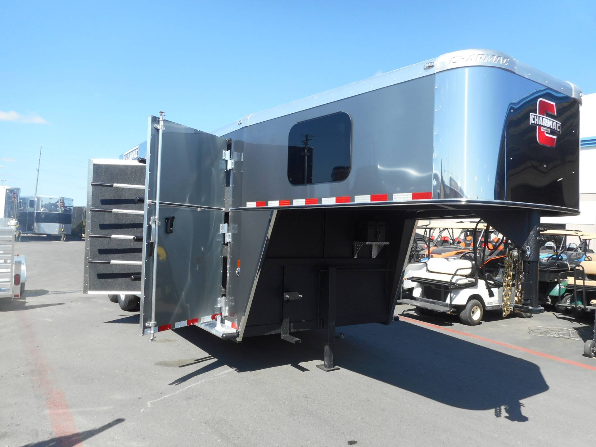 2017 Charmac Trailers 2017 OUTLAW 3H GN in Elk Grove, California
