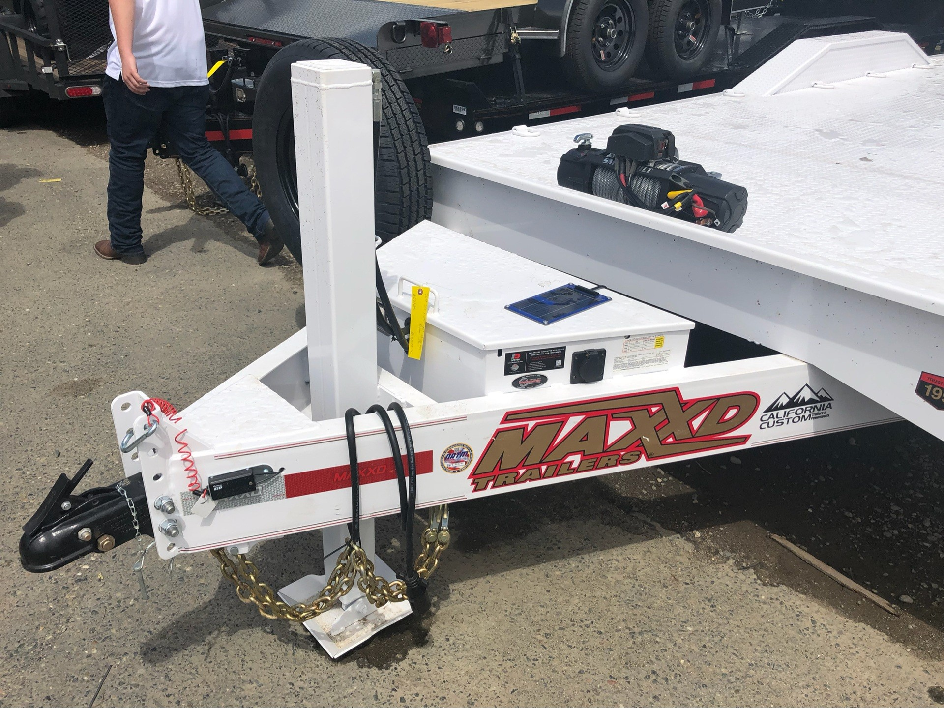 "2019 MAXXD TRAILERS 24' X 102"" 8"" CHANNEL POWER TILT in Elk Grove, California - Photo 2"