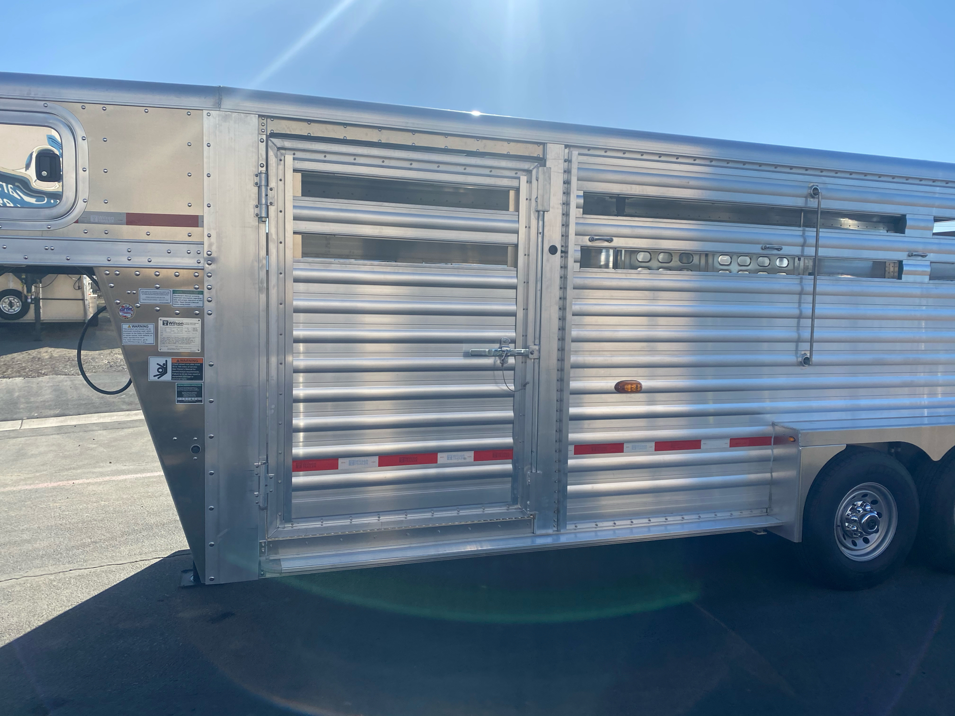 2021 Wilson Trailer - Manufacturers 20' RANCH HAND SLAT SIDE TRAILER in Elk Grove, California - Photo 5