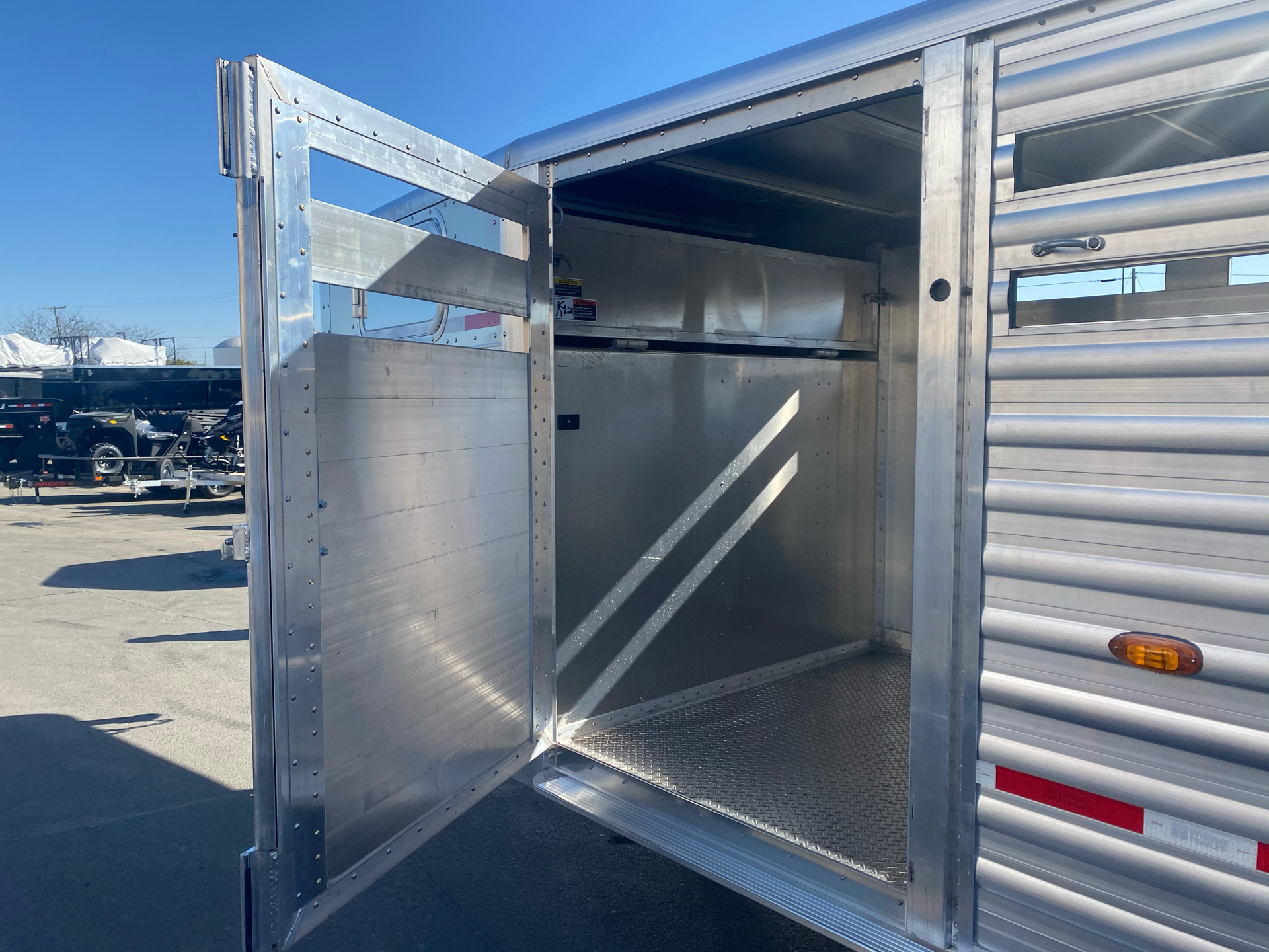2021 Wilson Trailer - Manufacturers 20' RANCH HAND SLAT SIDE TRAILER in Elk Grove, California - Photo 8