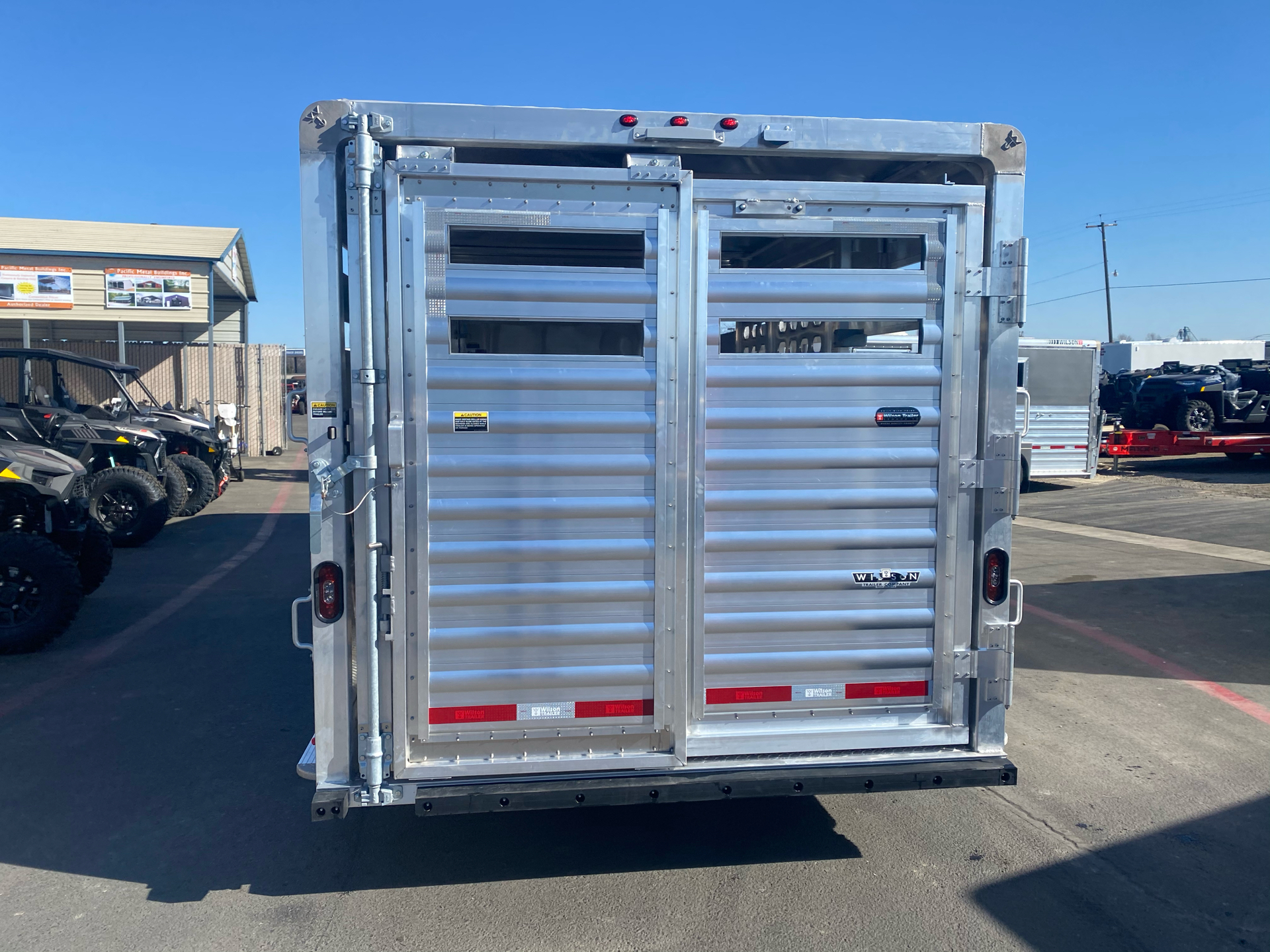 2021 Wilson Trailer - Manufacturers 20' RANCH HAND SLAT SIDE TRAILER in Elk Grove, California - Photo 9