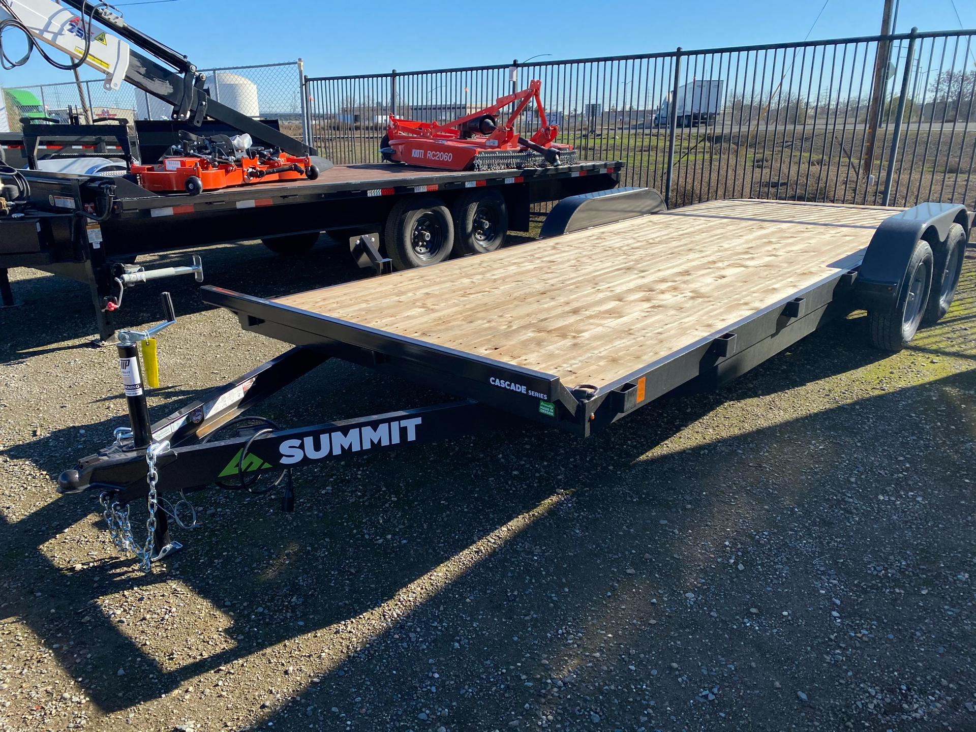 2021 SUMMIT TRAILER MFG 7X20 CASCADE CAR HAULER in Elk Grove, California - Photo 2