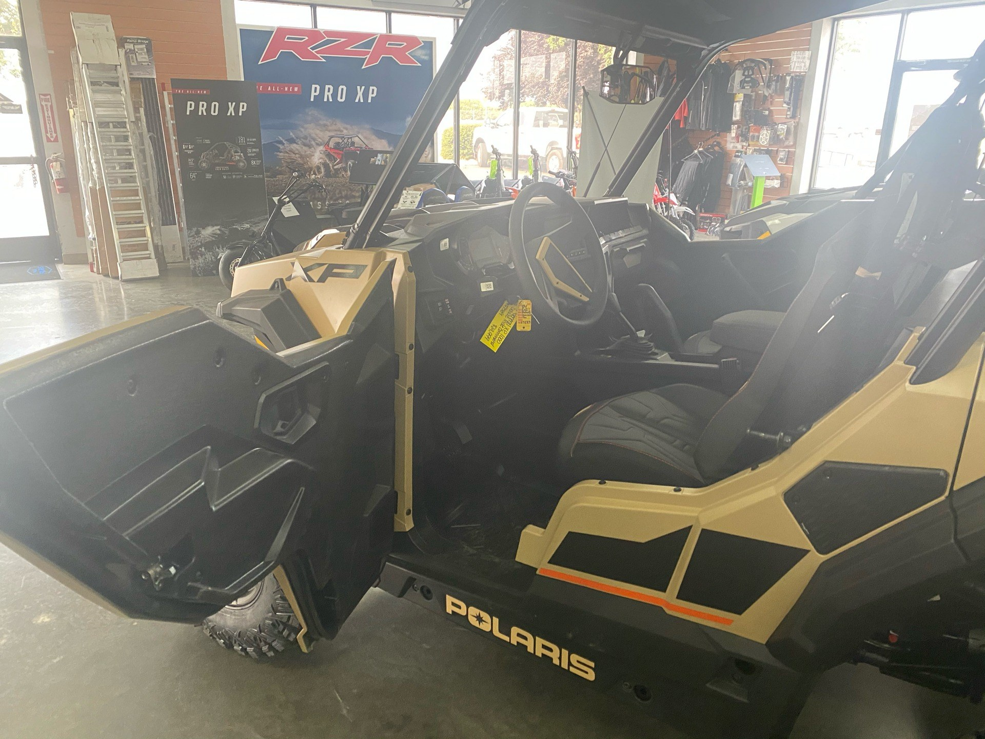 2021 Polaris General XP 1000 Deluxe Ride Command in Elk Grove, California - Photo 9
