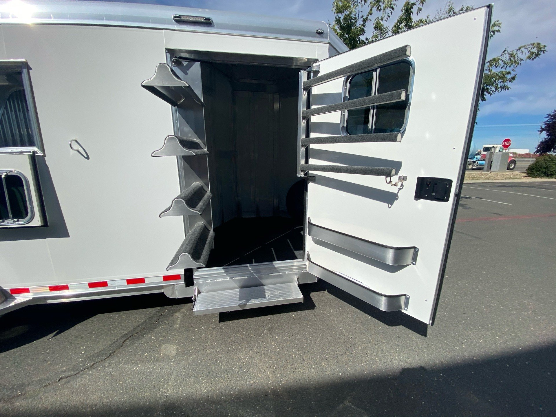 2021 4-STAR TRAILERS 3H RUNABOUT SLANT LOAD in Elk Grove, California - Photo 3