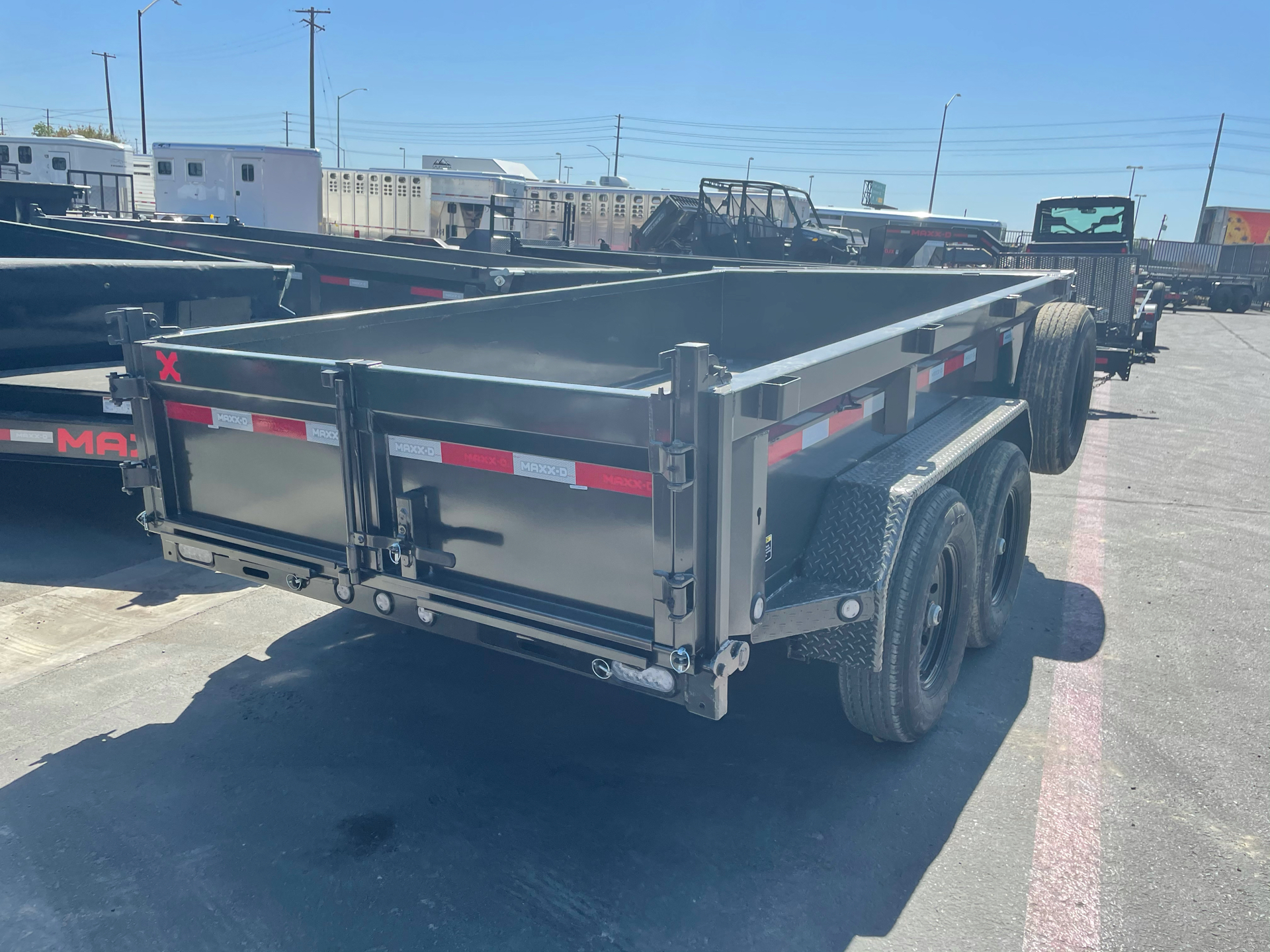 "2021 MAXXD TRAILERS 12' X 72"" 10K DUMP in Elk Grove, California - Photo 2"
