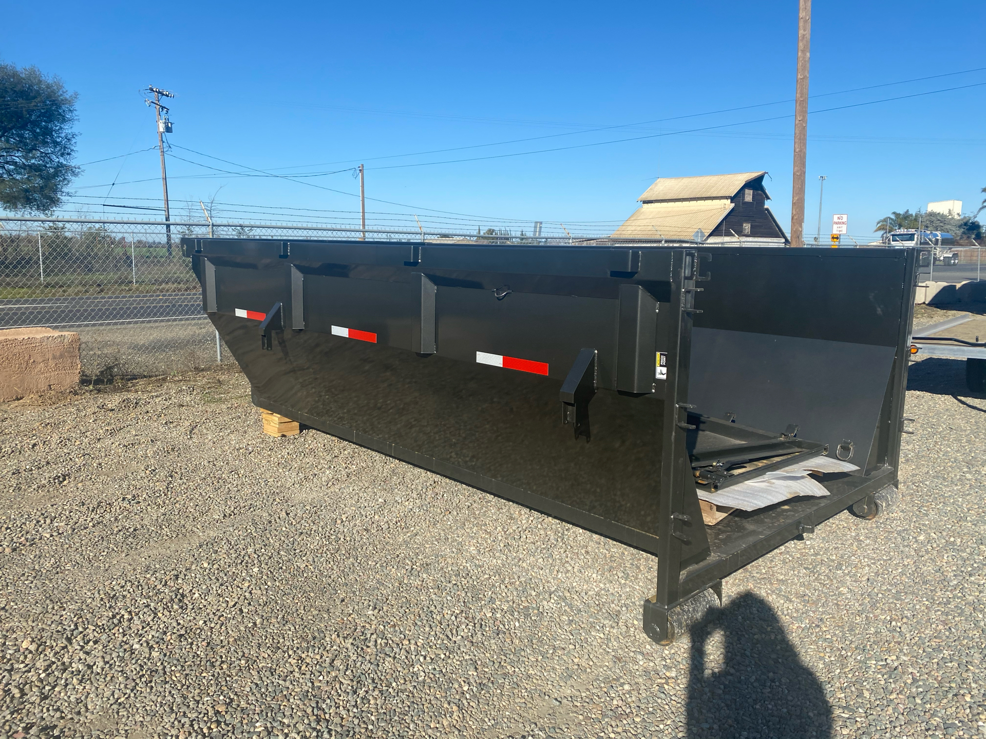 2021 MAXXD TRAILERS 14' ROX BIN in Elk Grove, California - Photo 3