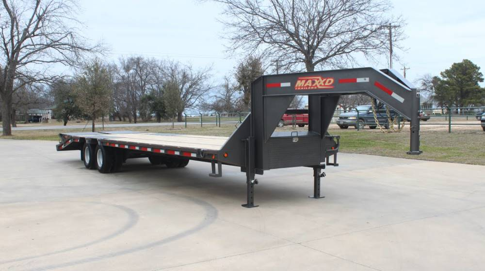 2018 MAXXD TRAILERS 30' GN LO-PRO FLATBED TRAILER in Elk Grove, California