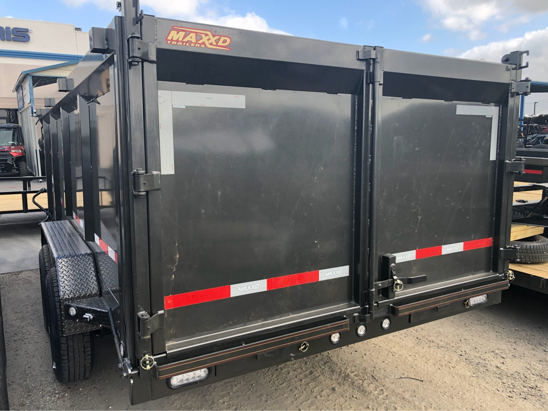 "2019 MAXXD TRAILERS 16' x 83"" CLASSIC GN DUMP TRAILER in Elk Grove, California - Photo 8"