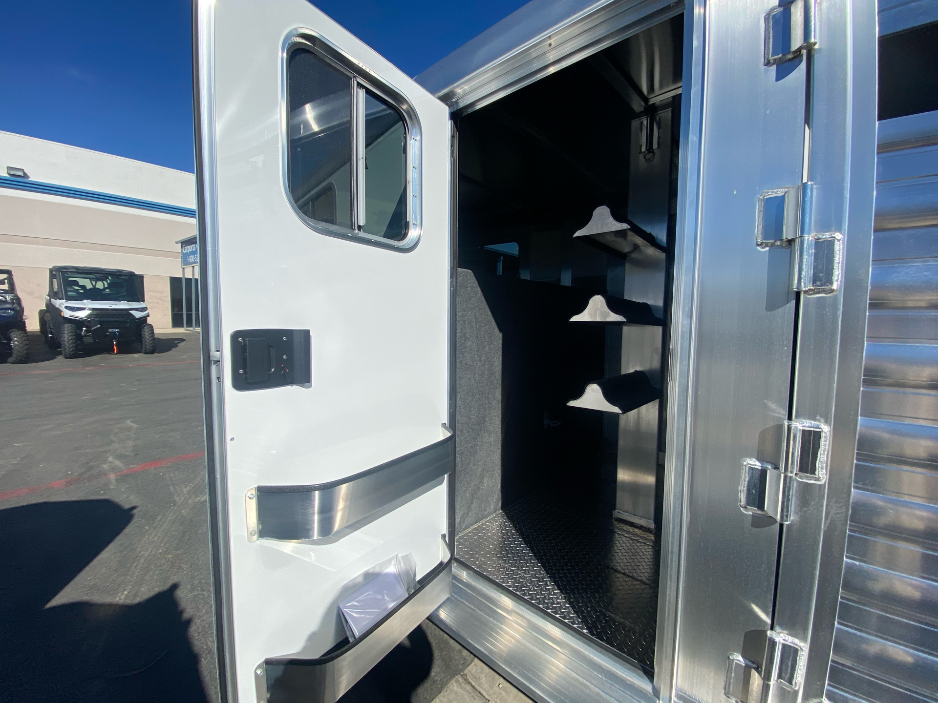 2022 4-STAR TRAILERS 7X24 DELUX STOCK COMBO W COWBOY TACK in Elk Grove, California - Photo 5