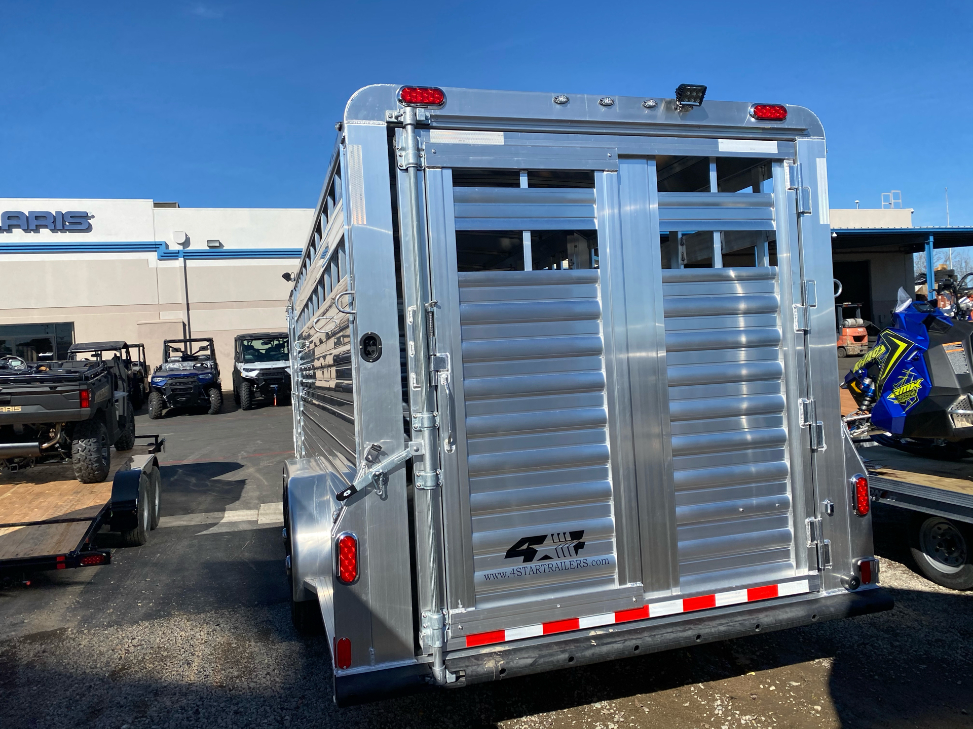 2022 4-STAR TRAILERS 7X24 DELUX STOCK COMBO W COWBOY TACK in Elk Grove, California - Photo 16