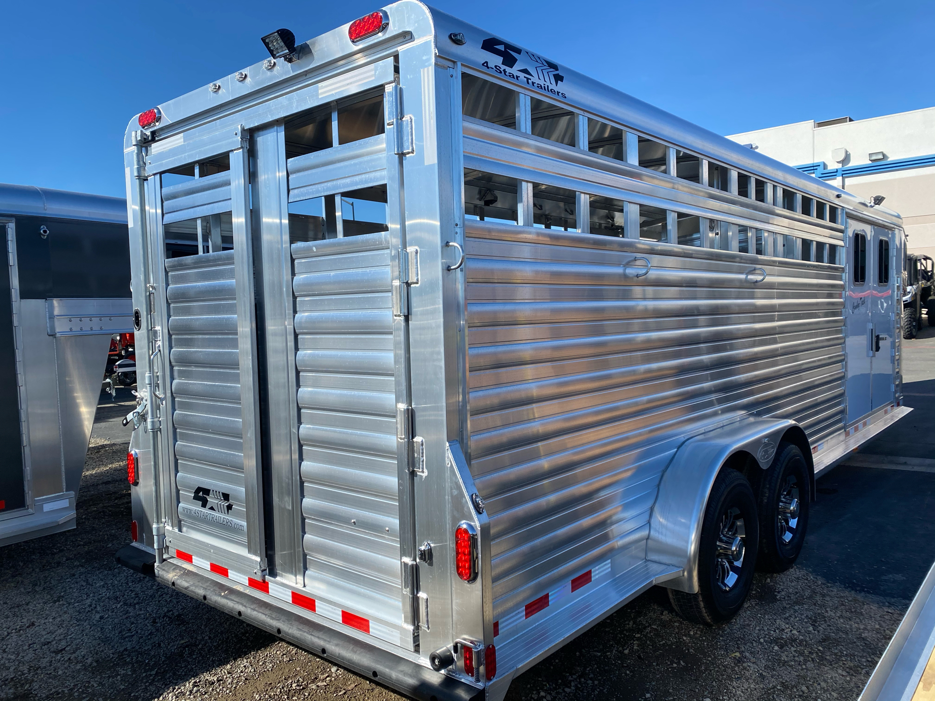 2022 4-STAR TRAILERS 7X24 DELUX STOCK COMBO W COWBOY TACK in Elk Grove, California - Photo 18