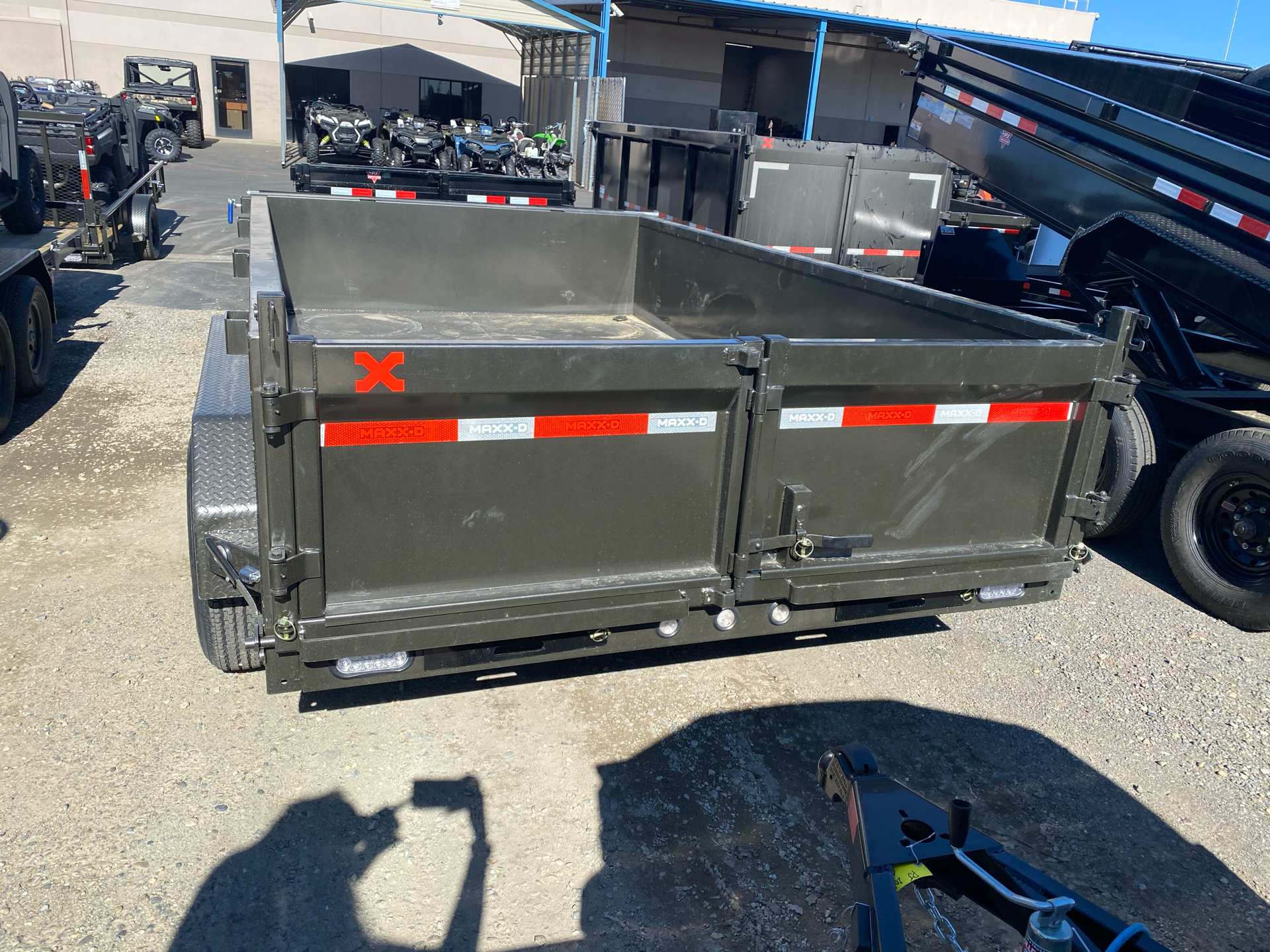 "2021 MAXXD TRAILERS 12' X 83"" I-BEAM DUMP TRAILER in Elk Grove, California - Photo 8"