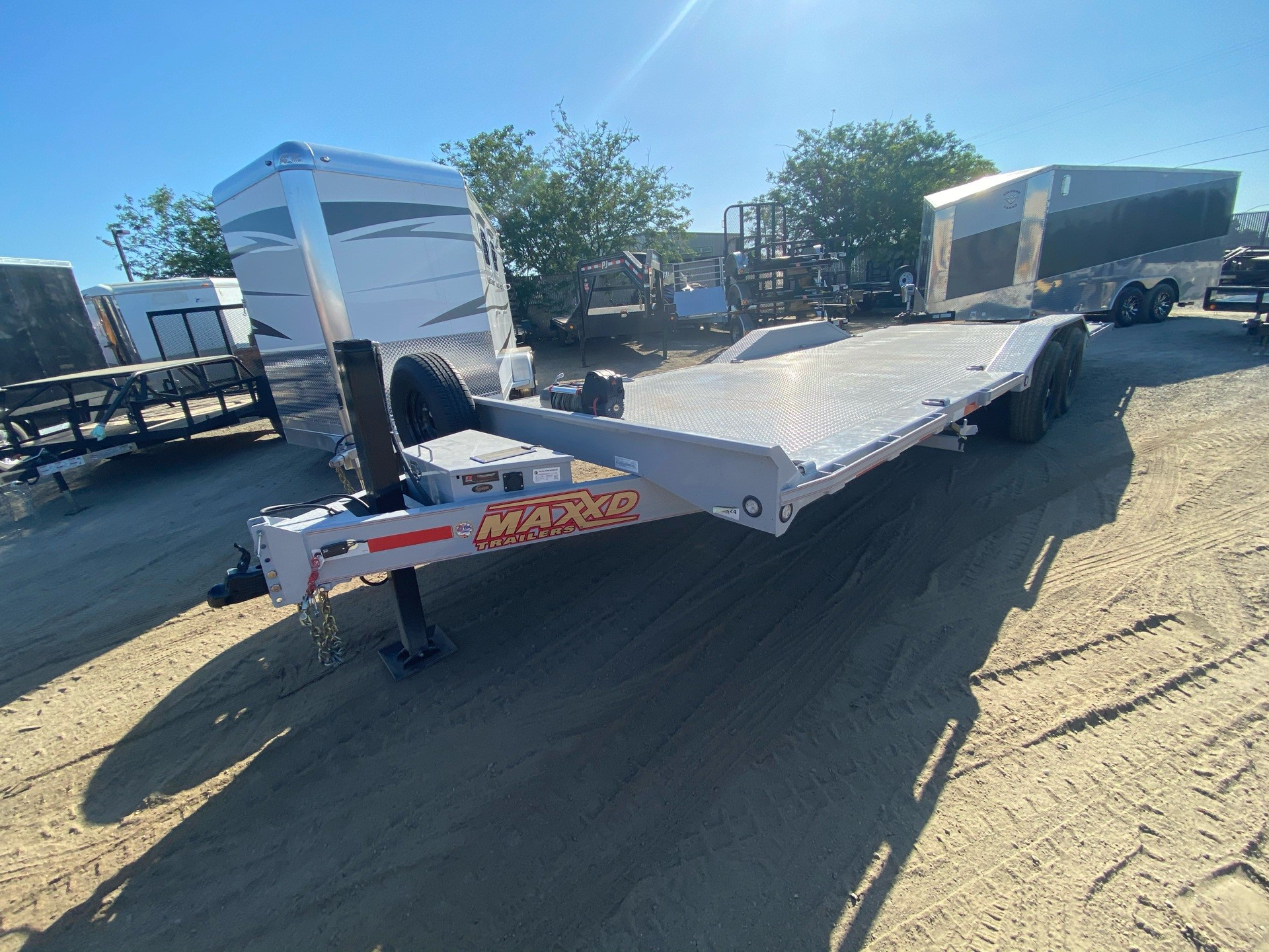 "2020 MAXXD TRAILERS 24' X 102"" CHANNEL POWER TILT in Elk Grove, California - Photo 3"