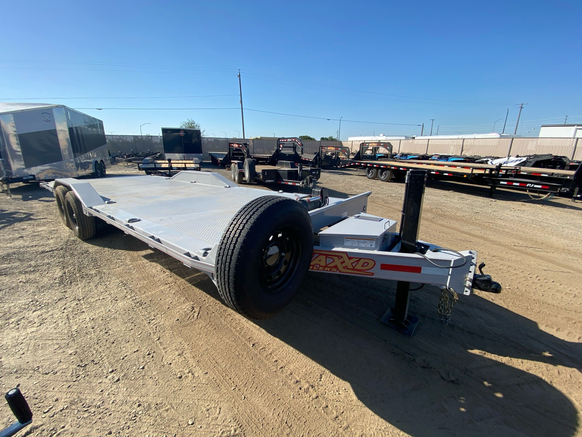 "2020 MAXXD TRAILERS 24' X 102"" CHANNEL POWER TILT in Elk Grove, California - Photo 5"