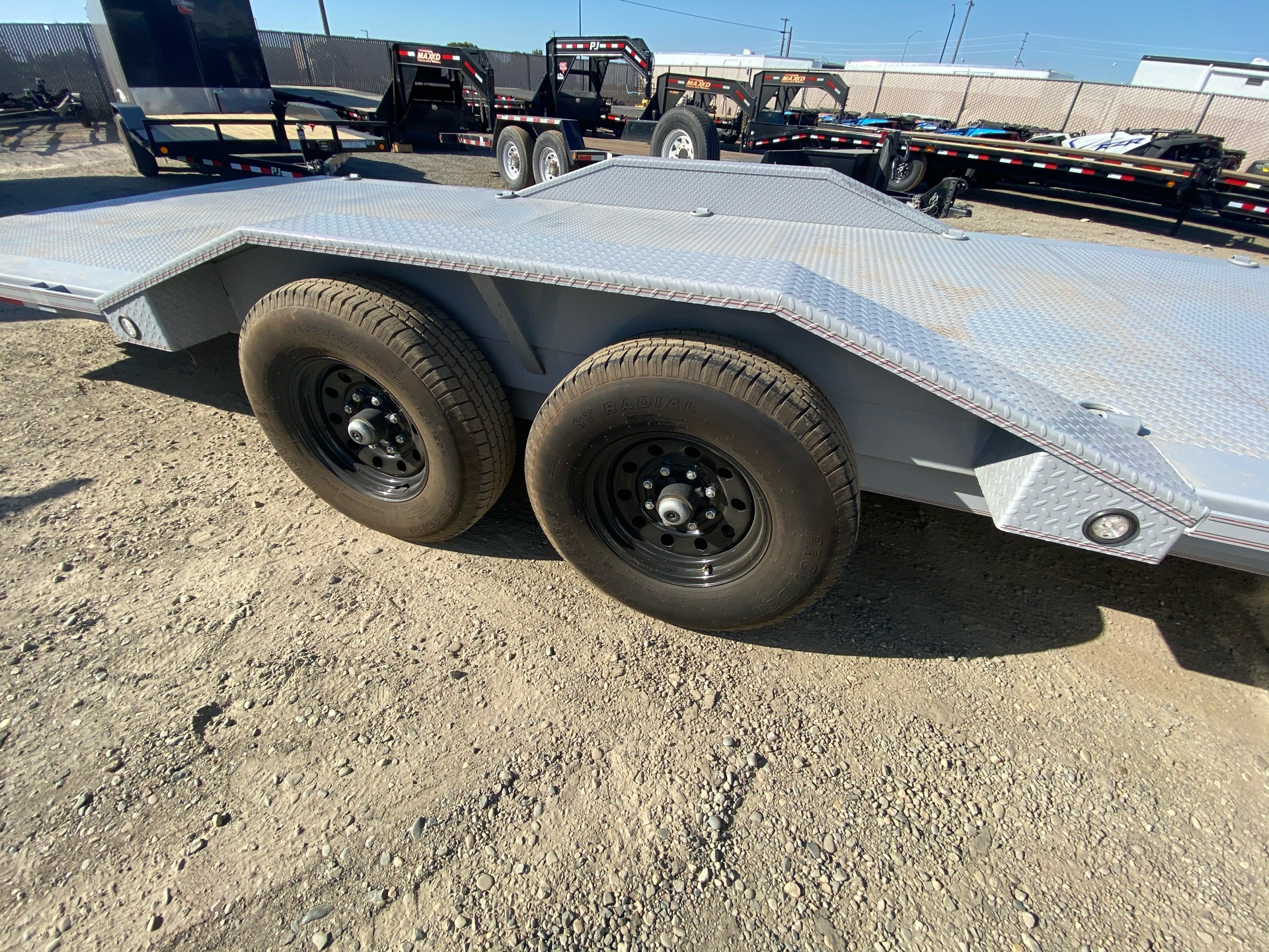 "2020 MAXXD TRAILERS 24' X 102"" CHANNEL POWER TILT in Elk Grove, California - Photo 8"