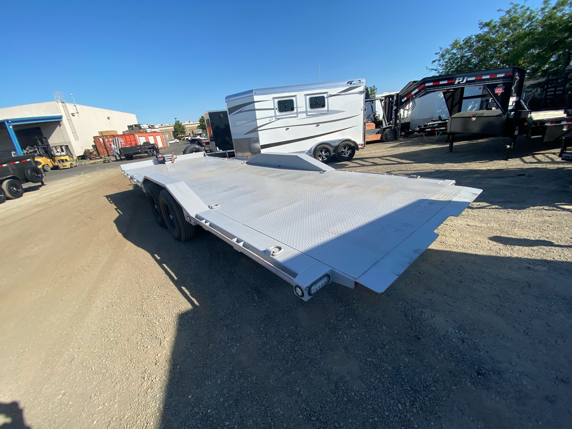"2020 MAXXD TRAILERS 24' X 102"" CHANNEL POWER TILT in Elk Grove, California - Photo 11"