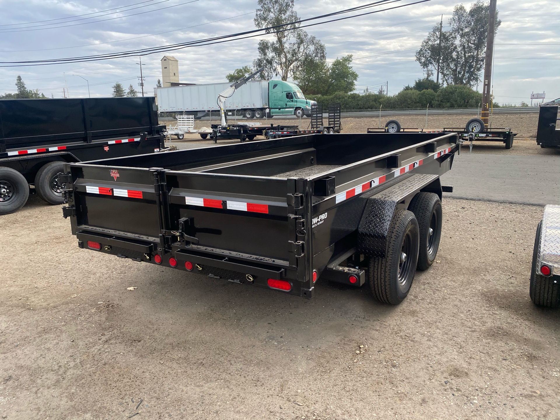 "2021 PJ Trailers 14' X 83"" LOW-PRO DUMP TRAILER in Acampo, California - Photo 5"