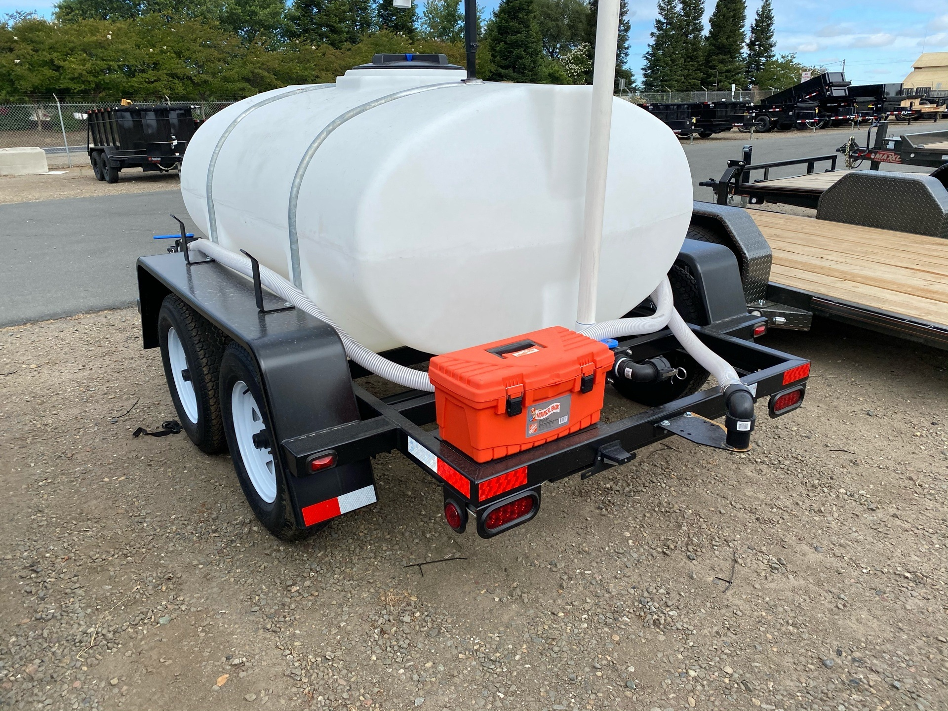 PBM Supply & MFG PBM Water Trailer in Acampo, California - Photo 3