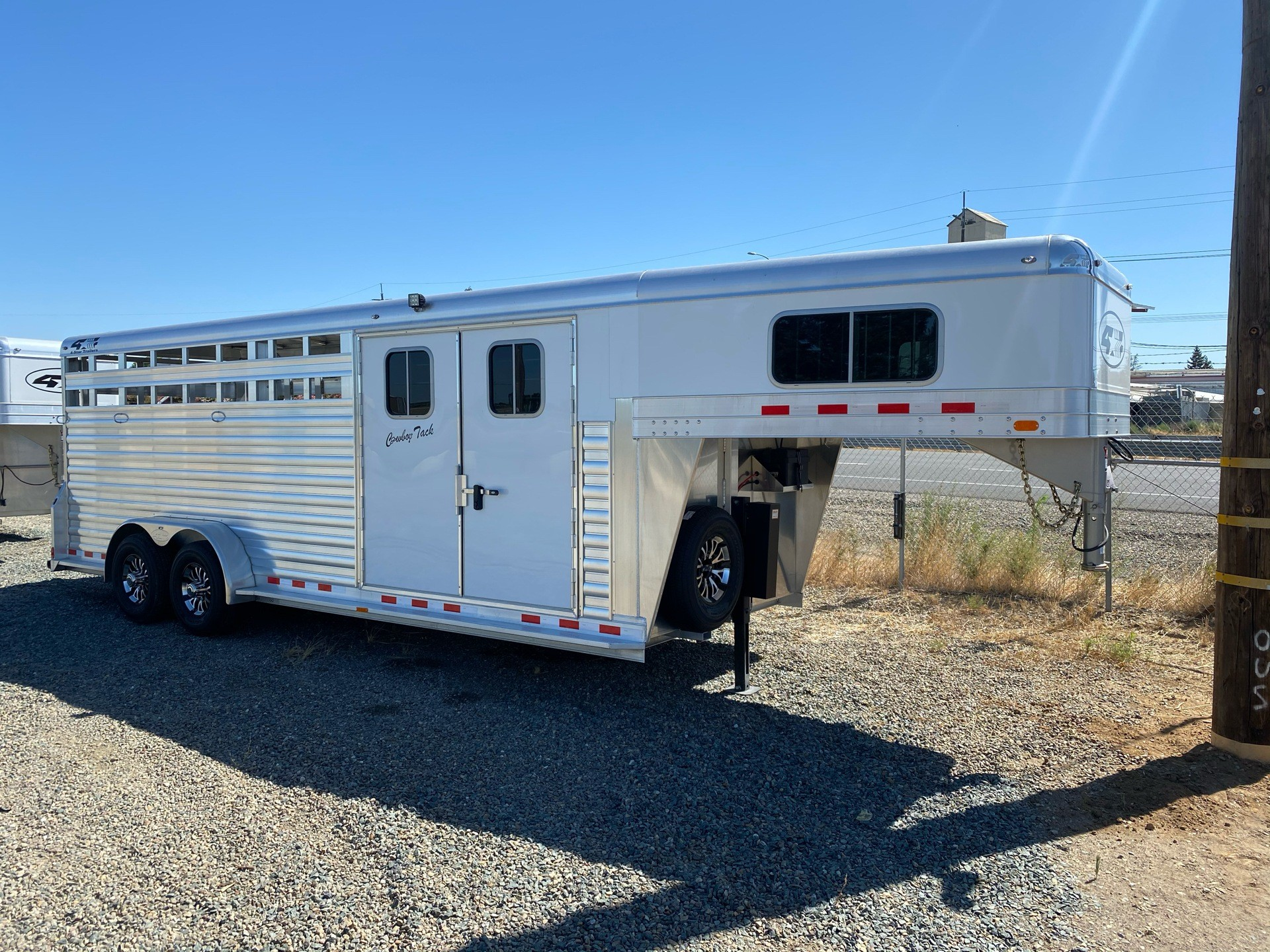 2020 4-Star Trailers 22' Stock Combo w/ Cowboy Tack in Acampo, California - Photo 1