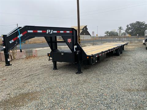 2021 PJ Trailers 36' LOW PRO W/ HYDRAULIC DOVETAIL in Acampo, California - Photo 1