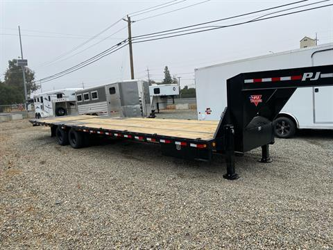 2021 PJ Trailers 36' LOW PRO W/ HYDRAULIC DOVETAIL in Acampo, California - Photo 5
