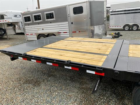 2021 PJ Trailers 36' LOW PRO W/ HYDRAULIC DOVETAIL in Acampo, California - Photo 8