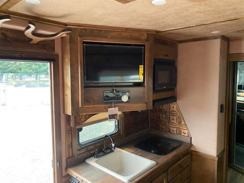 2020 4-Star Trailers 4 HORSE LIVING-QUARTER 14FT SHORTWALL in Acampo, California - Photo 6