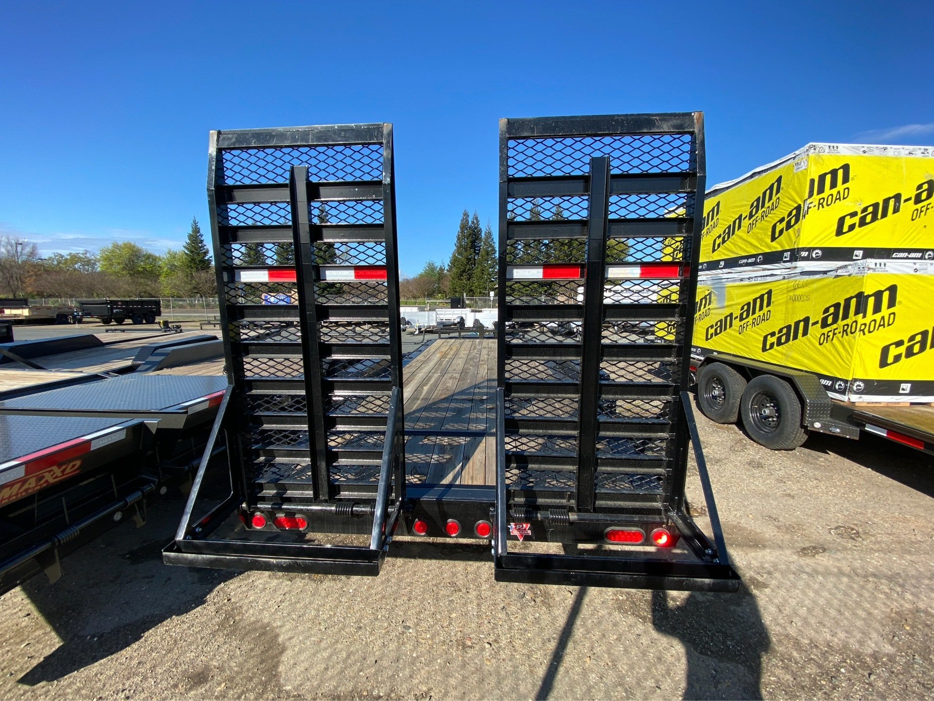 "2020 PJ Trailers 20' X 8"" PRO-BEAM EQUIPMENT TRAILER in Acampo, California - Photo 9"