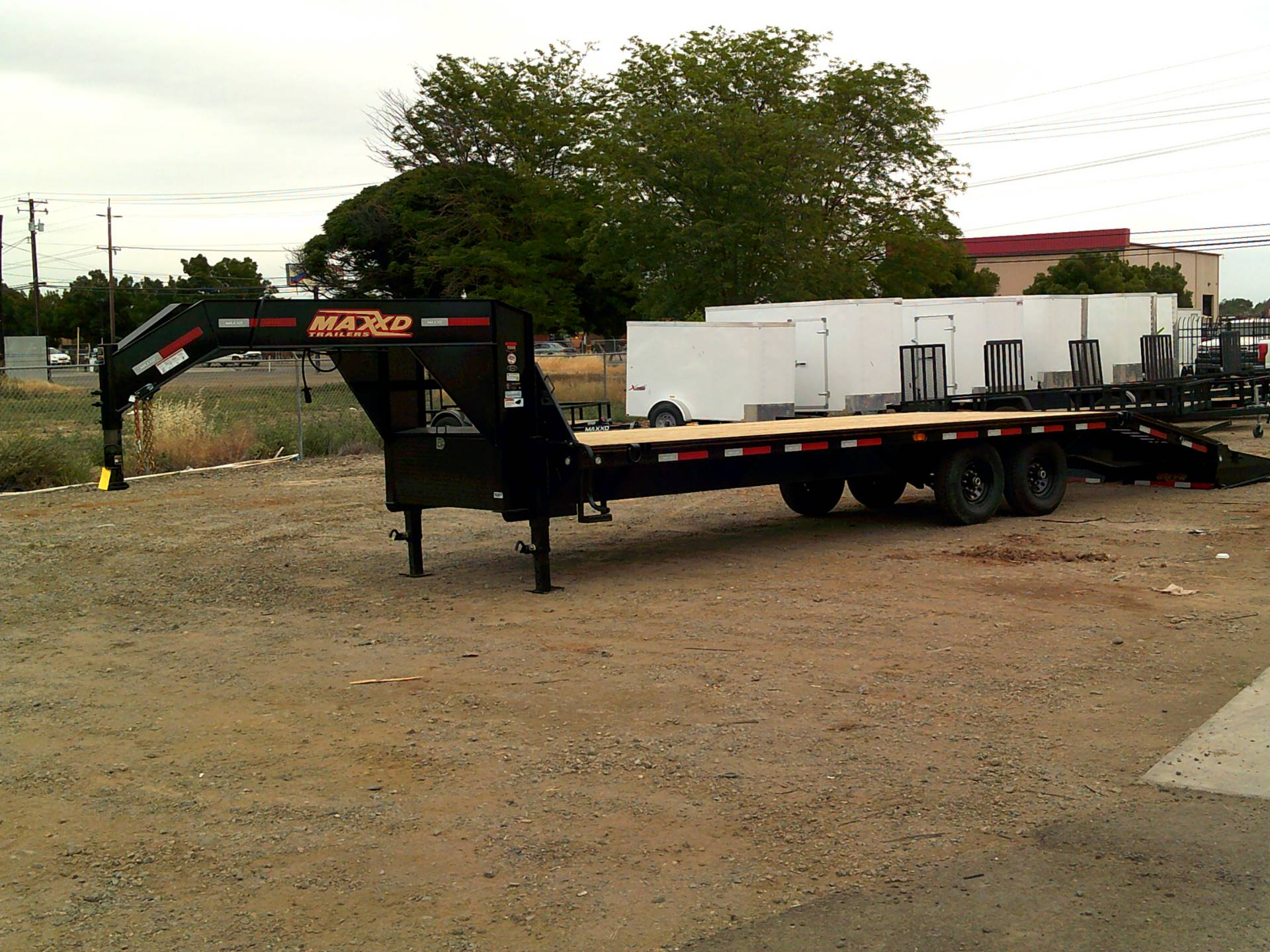 2019 MAXEY TRAILERS 26' X 102
