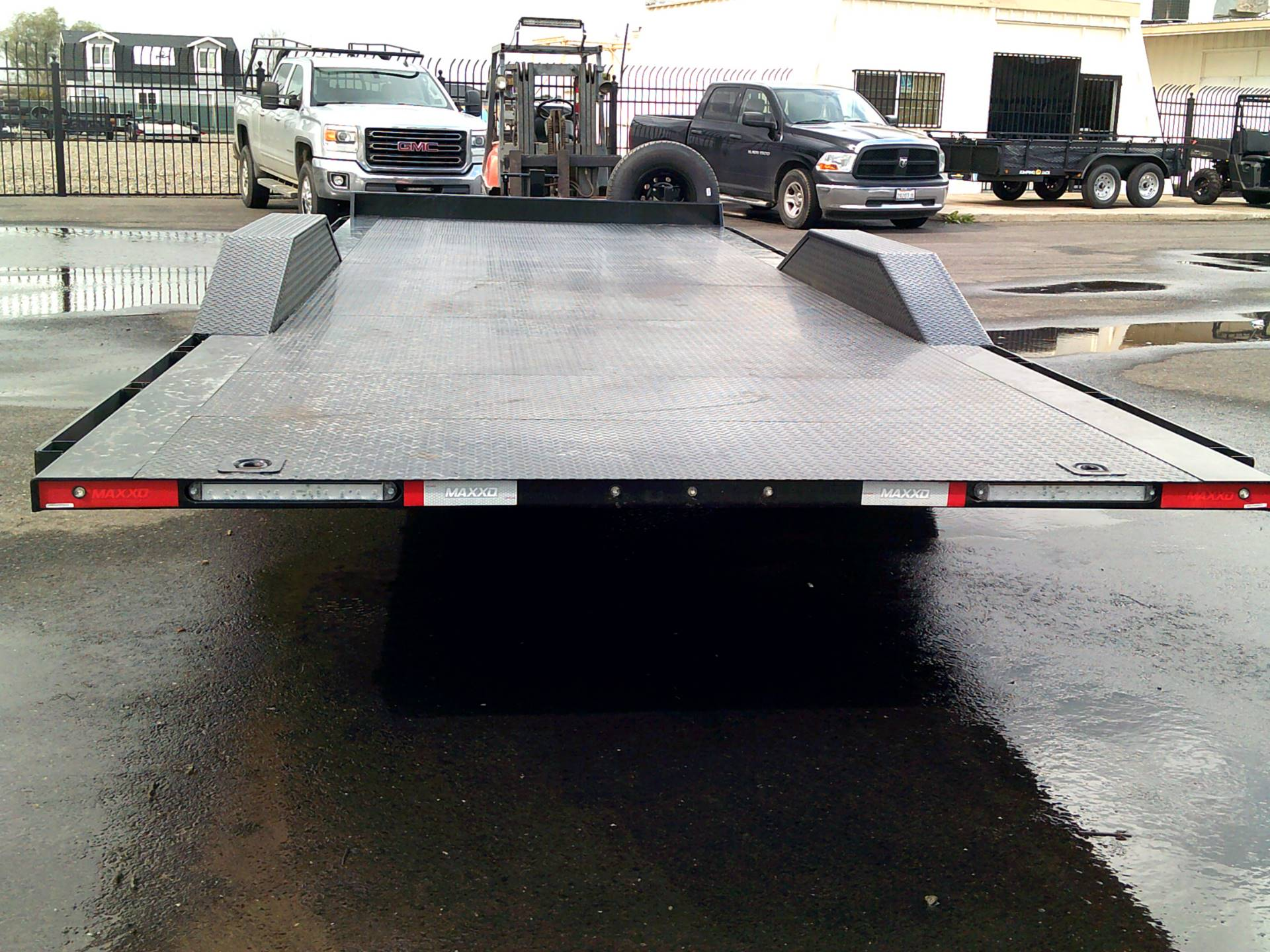 "2019 MAXEY TRAILERS 24' X 102"" 6"" CHANNEL POWER TILT in Merced, California"