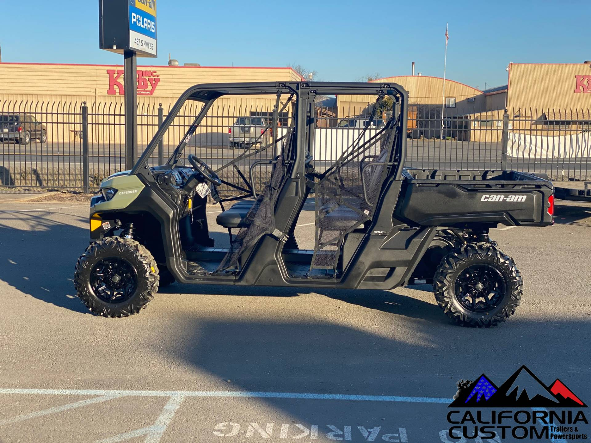 2021 Can-Am Defender MAX DPS HD8 in Merced, California - Photo 2