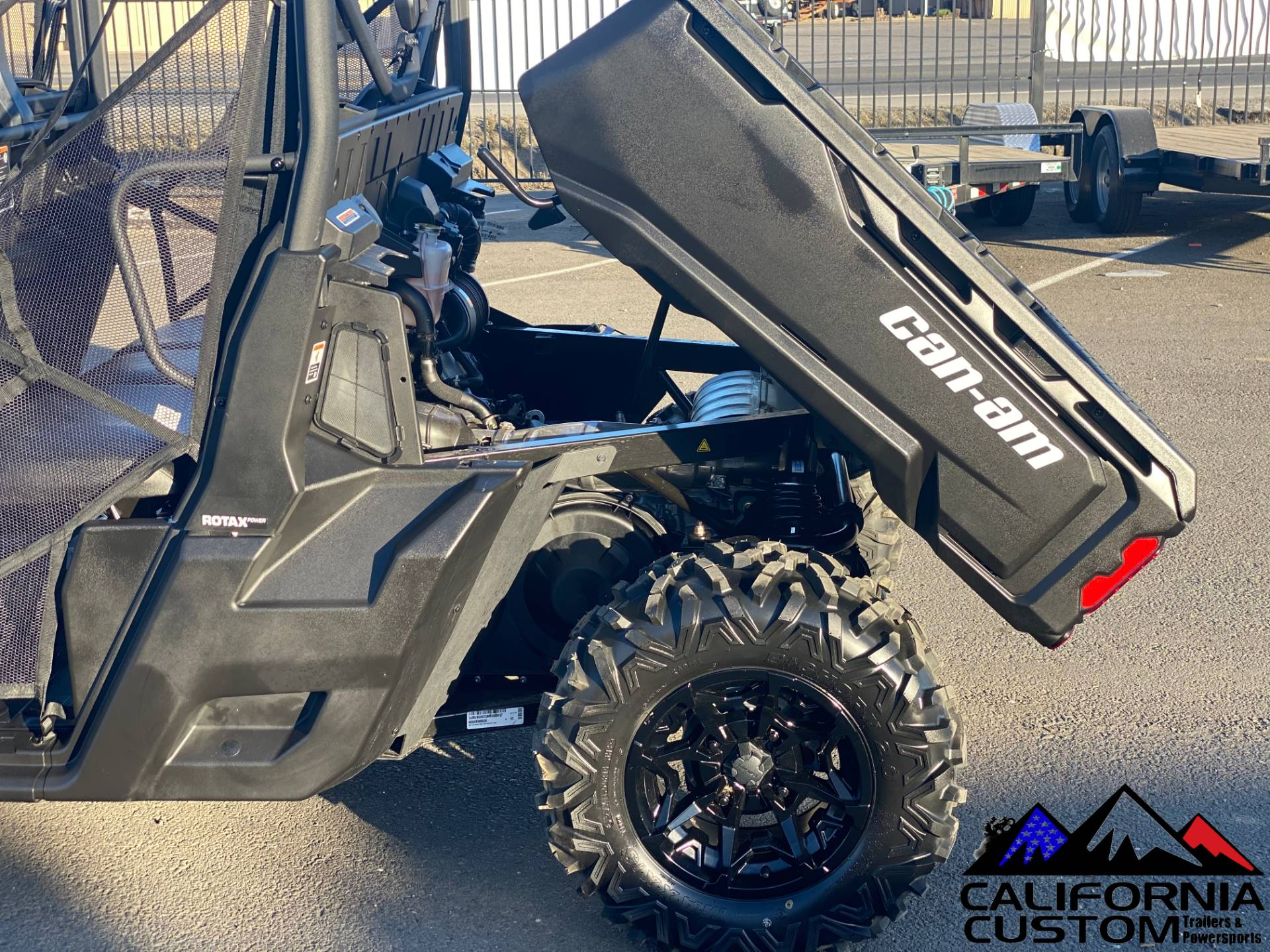 2021 Can-Am Defender MAX DPS HD8 in Merced, California - Photo 12