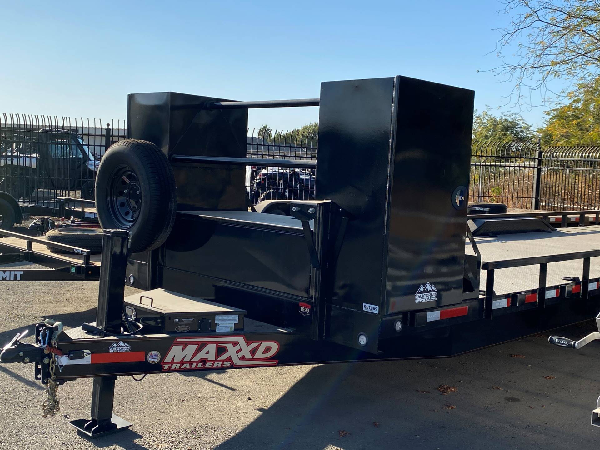 "2020 MAXEY TRAILERS 28' X 102"" 8"" CHANNEL BUGGY HAULER in Merced, California - Photo 1"