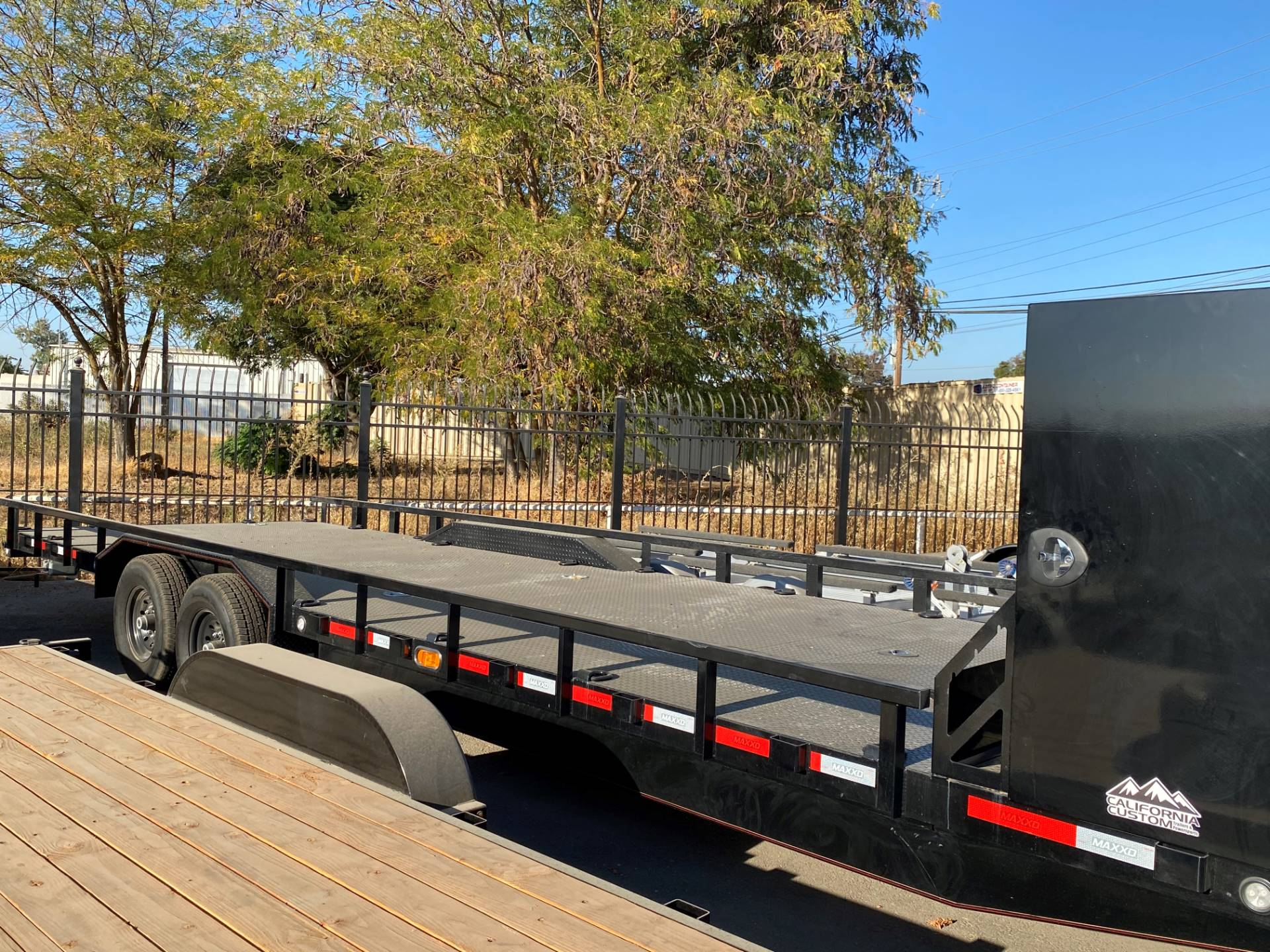 "2020 MAXEY TRAILERS 28' X 102"" 8"" CHANNEL BUGGY HAULER in Merced, California - Photo 2"