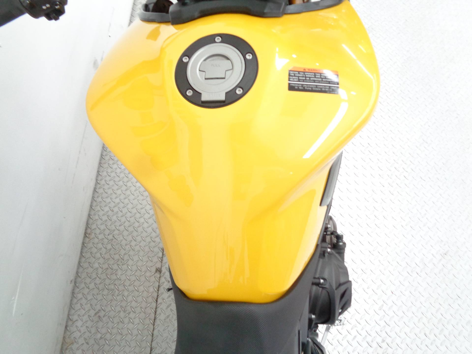 2015 Yamaha FZ-09 8